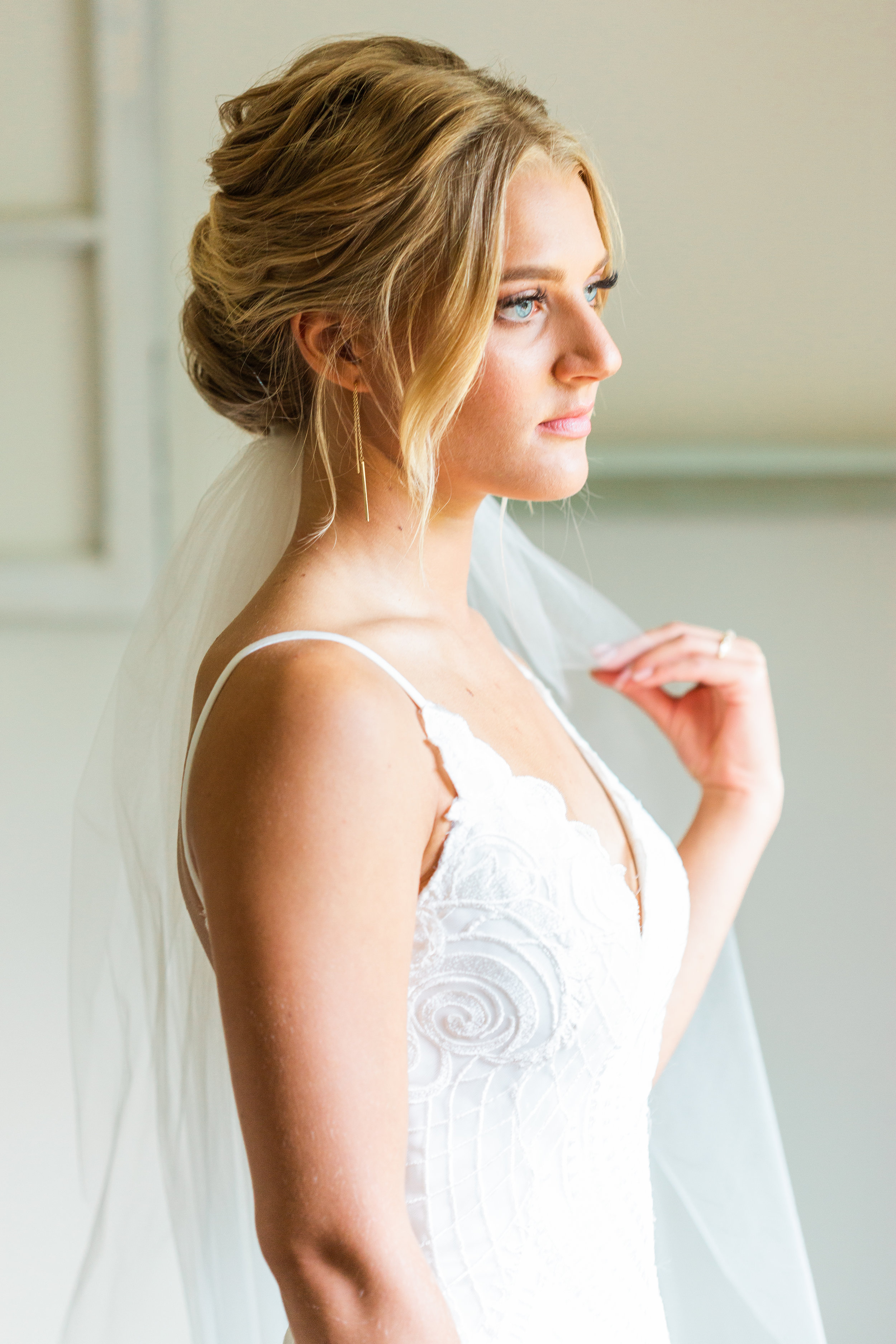 bridal portraits-renton-seattle-wedding-photographer-janelle elaine photography-1.jpg