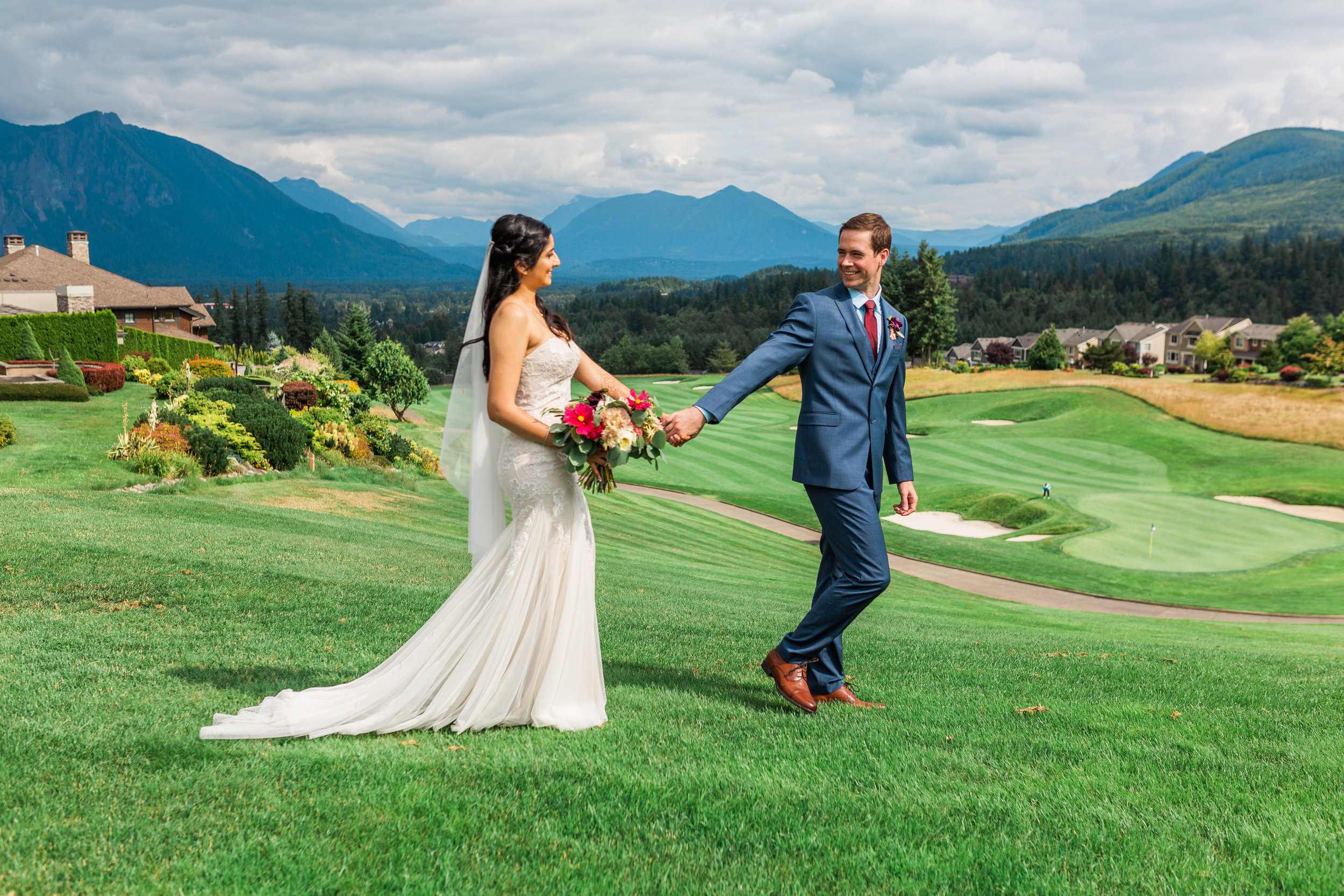 sohni and jacob-wedding at snoqualmie ridge-washington janelle elaine photography -2.jpg
