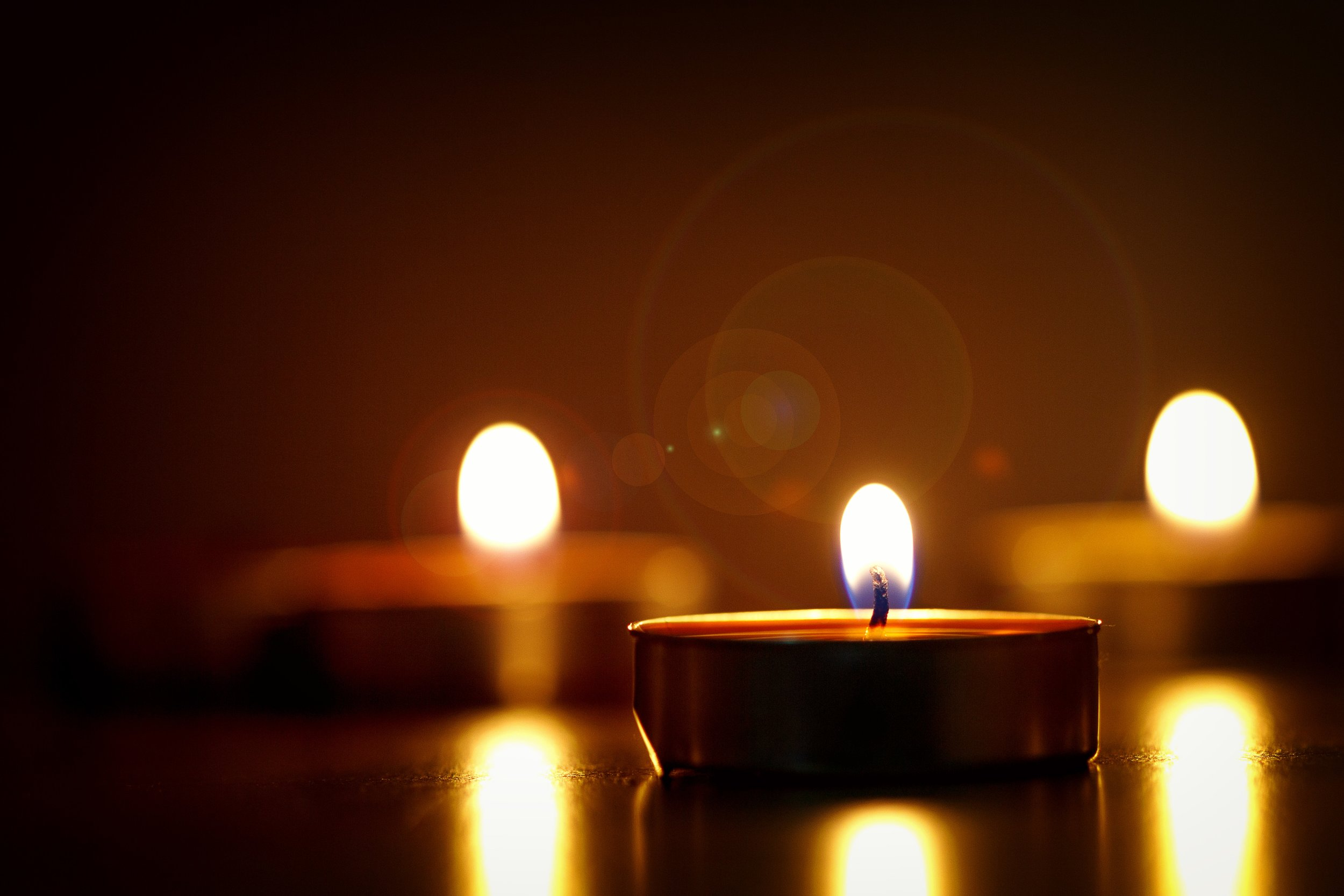blur-bright-candlelights-722653 (1).jpg