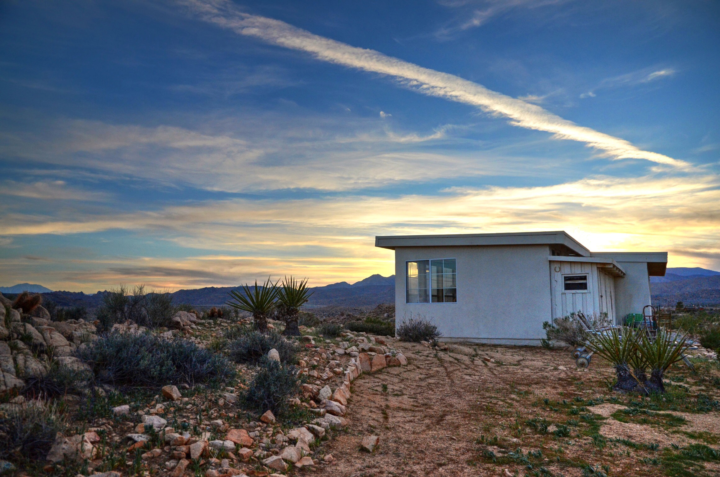 Los-Vientos-Hideaway-Sunset Side 1.jpg
