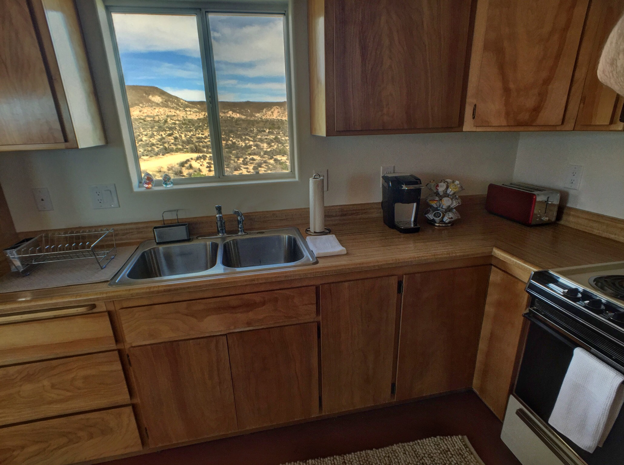 Los-Vientos-Hideaway-Kitchen Out Window.jpg