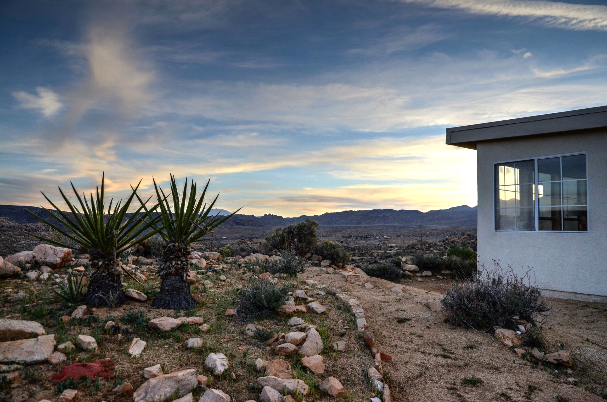 Los-Vientos-Hideaway-Sunset Side Wide.jpg