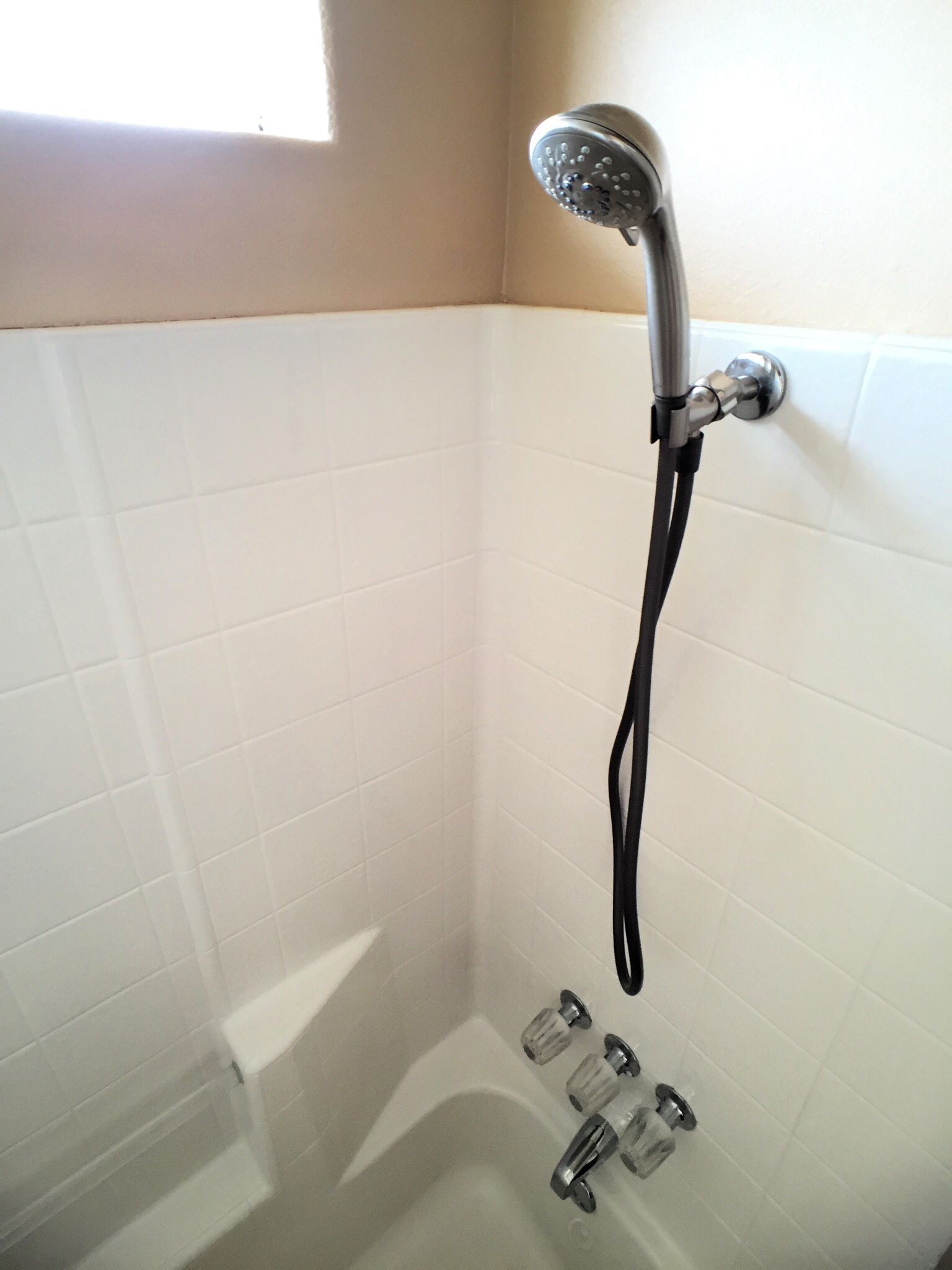Los-Vientos-Hideaway-Bathroom Shower Head.jpg