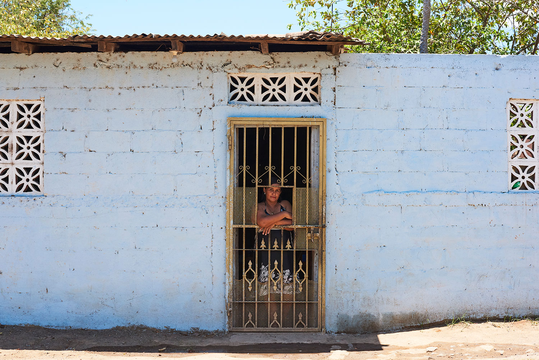 Behind_the_Door_Sabaneta_Nicaragua_Web.jpg