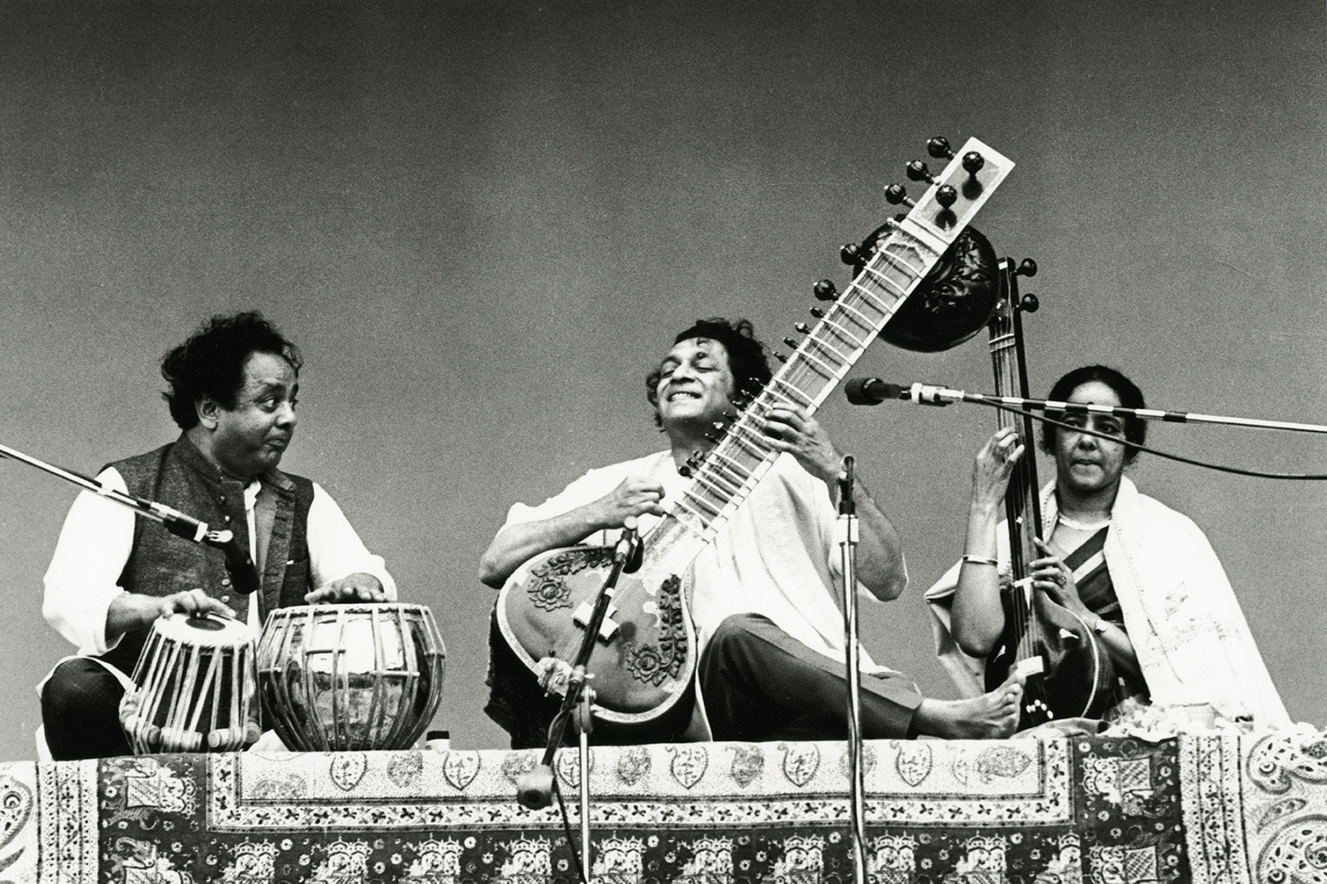 ravi_shankar_band_montereypop_1967 (1).jpg