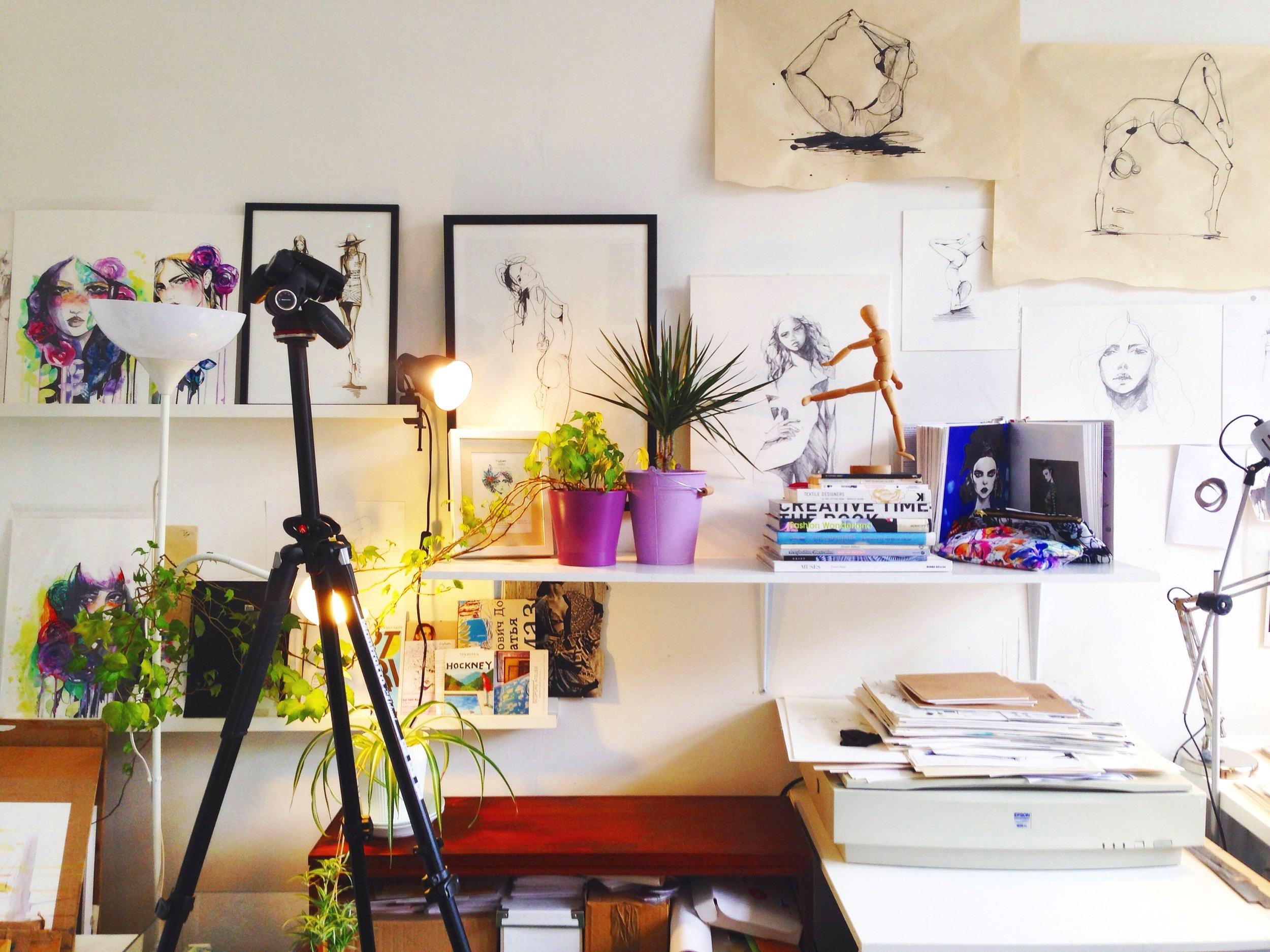 Studio photo HOLLY SHARPE.JPG
