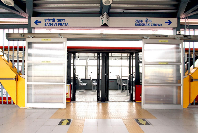 Pune's Rainbow BRT: Level boarding