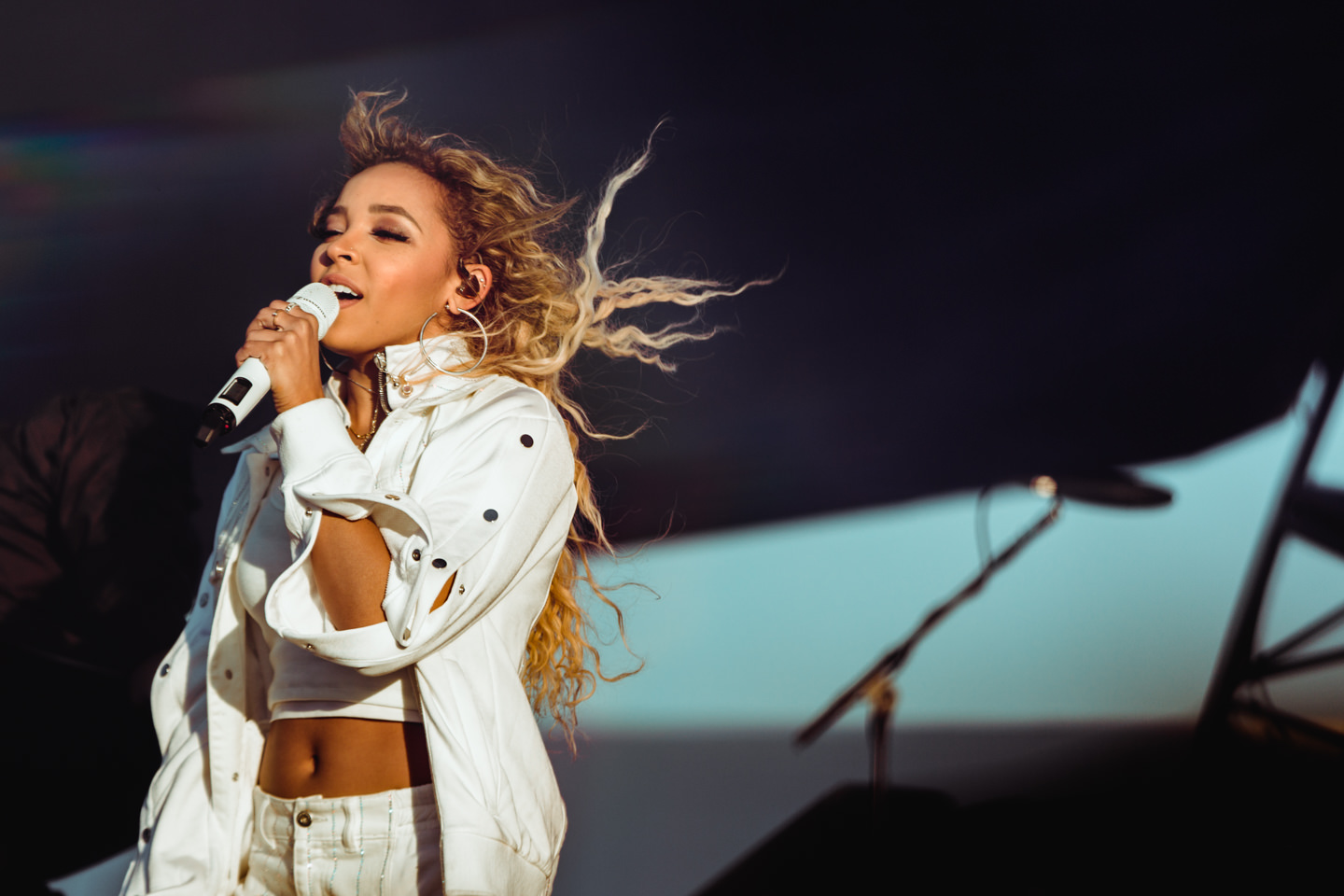 180306-kirby-gladstein-photography-air-and-style-festival-Tinashe-LA-7012.jpg