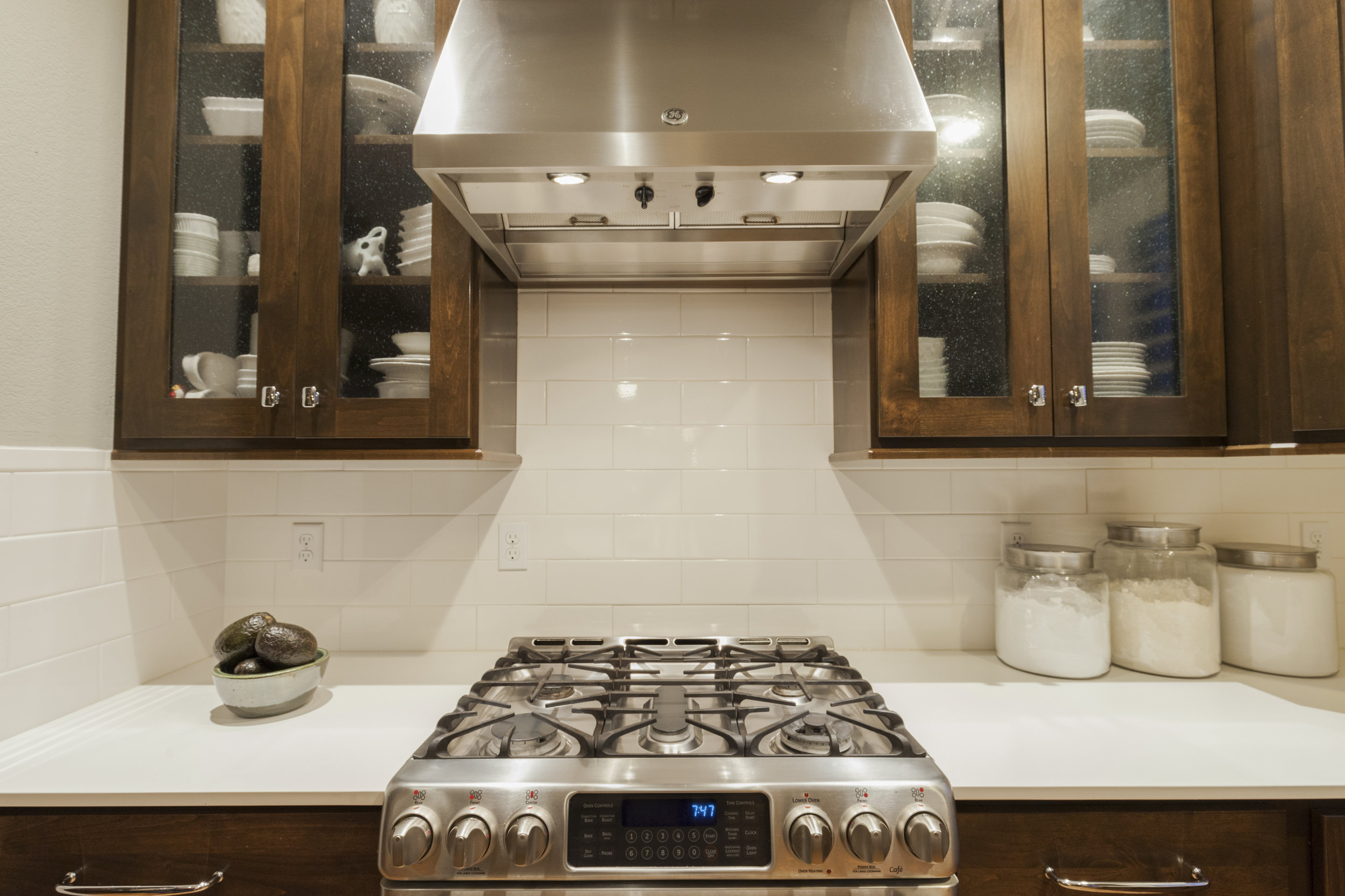 Tharp Cabinetry, quartz countertops, new backsplash, top of the line SS appliances!