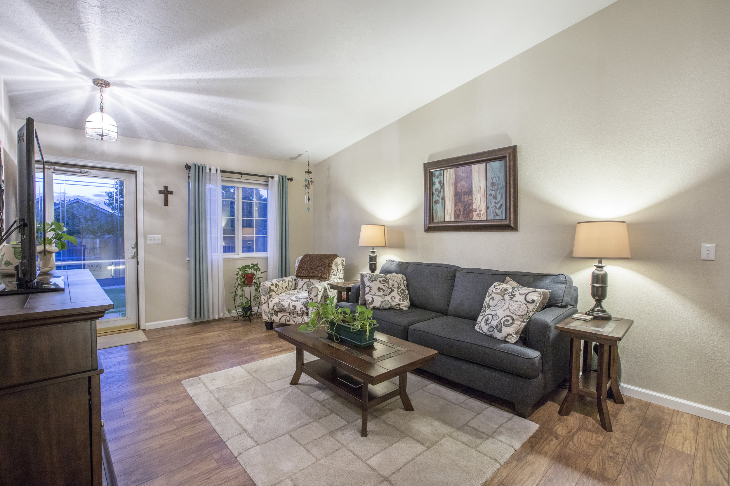 4946W2ndSt-LARGE-30.jpg