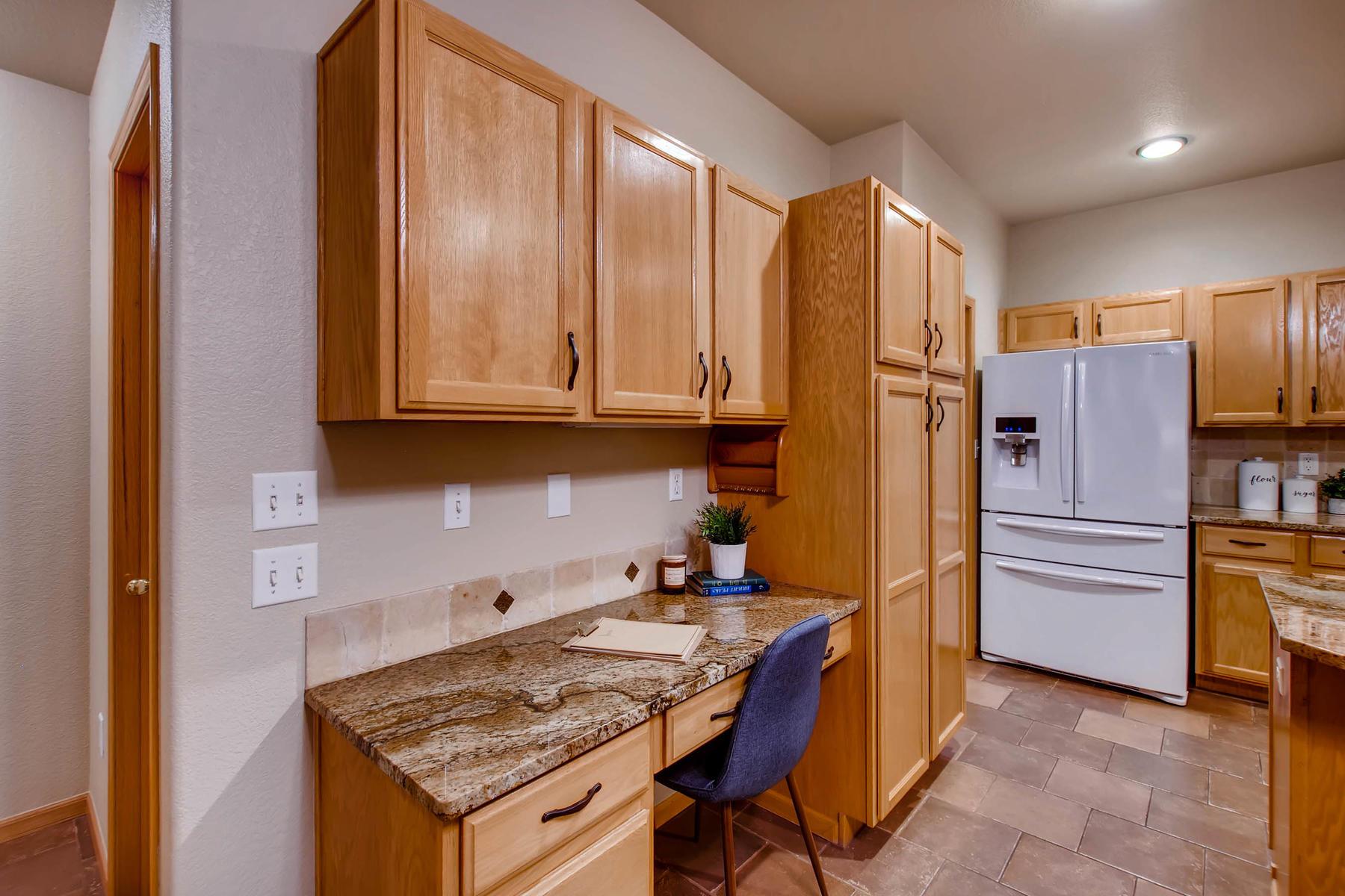 1694 Seven Lakes Dr Loveland-MLS_Size-013-37-Kitchen-1800x1200-72dpi.jpg