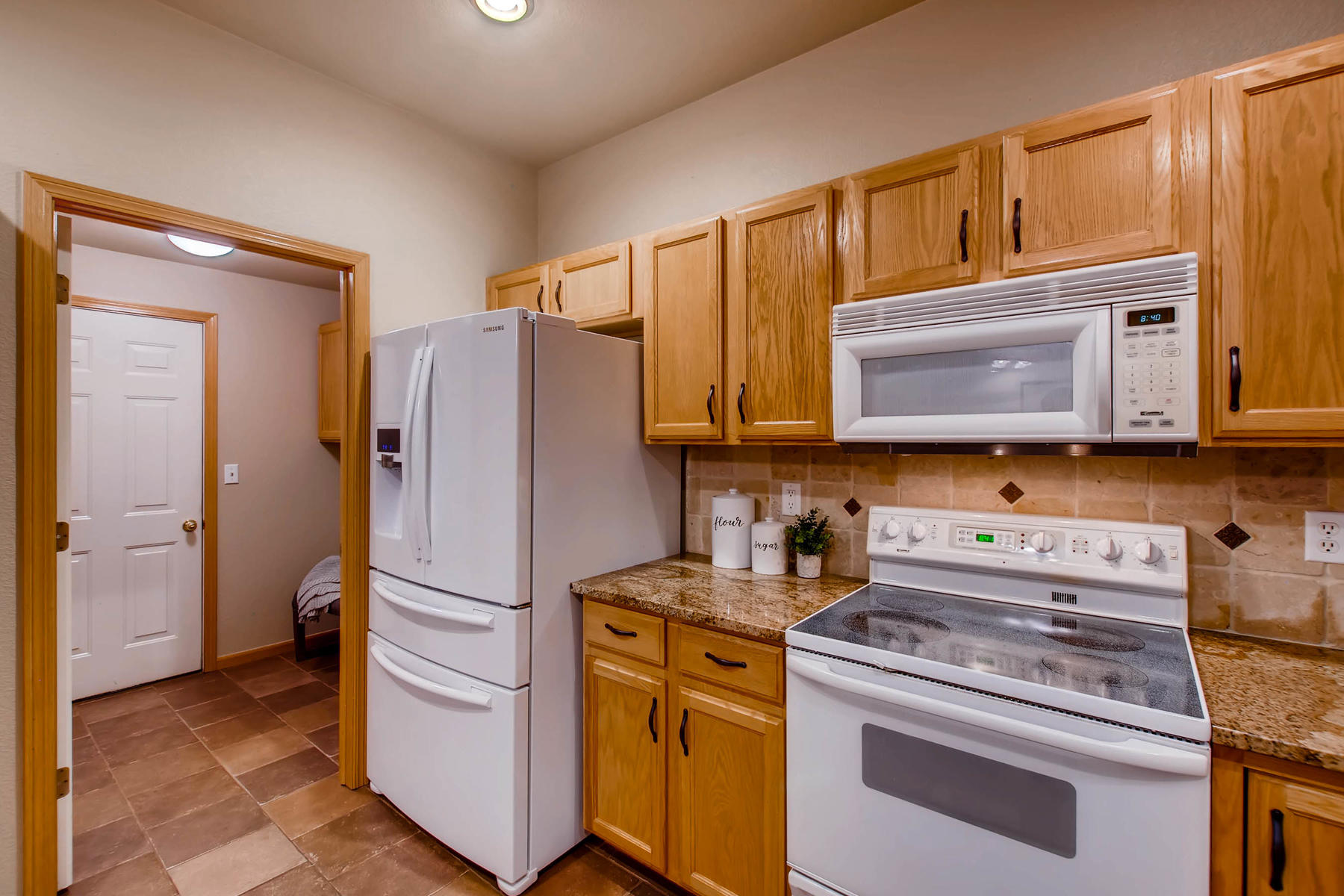 1694 Seven Lakes Dr Loveland-MLS_Size-017-12-Kitchen-1800x1200-72dpi.jpg