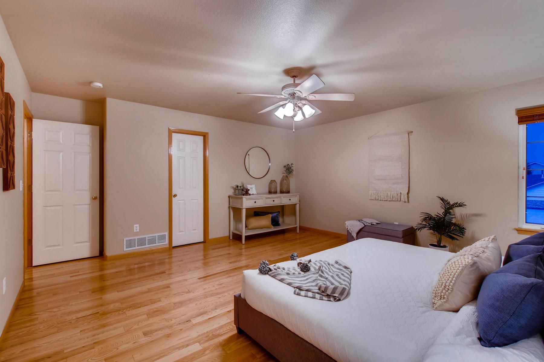 1694 Seven Lakes Dr Loveland-MLS_Size-021-40-2nd Floor Master Bedroom-1800x1200-72dpi.jpg