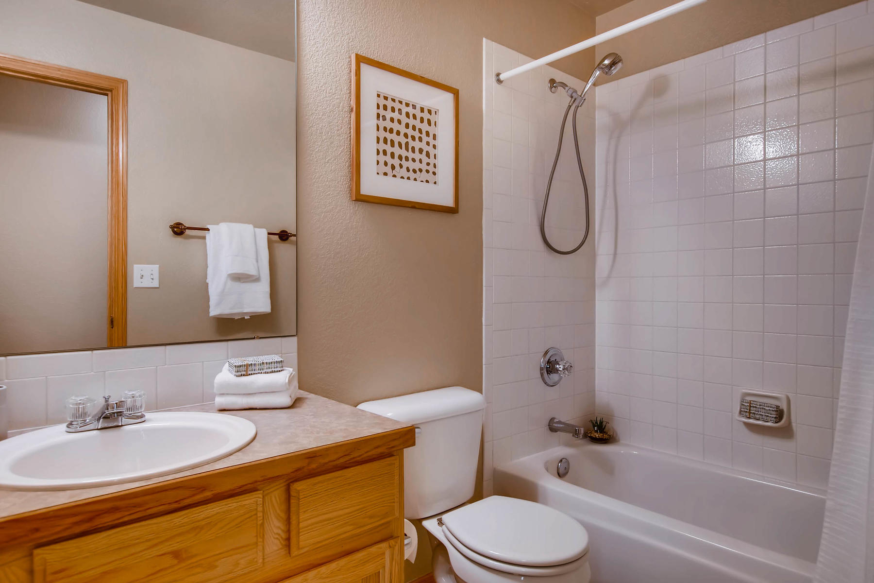 1694 Seven Lakes Dr Loveland-MLS_Size-028-30-2nd Floor Bathroom-1800x1200-72dpi.jpg