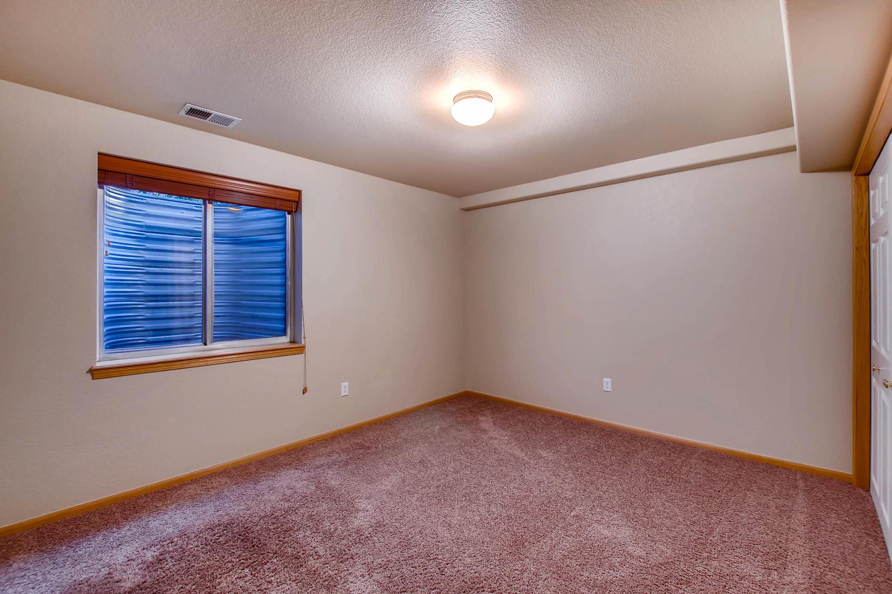 1694 Seven Lakes Dr Loveland-MLS_Size-031-23-Lower Level Bedroom-1800x1200-72dpi.jpg