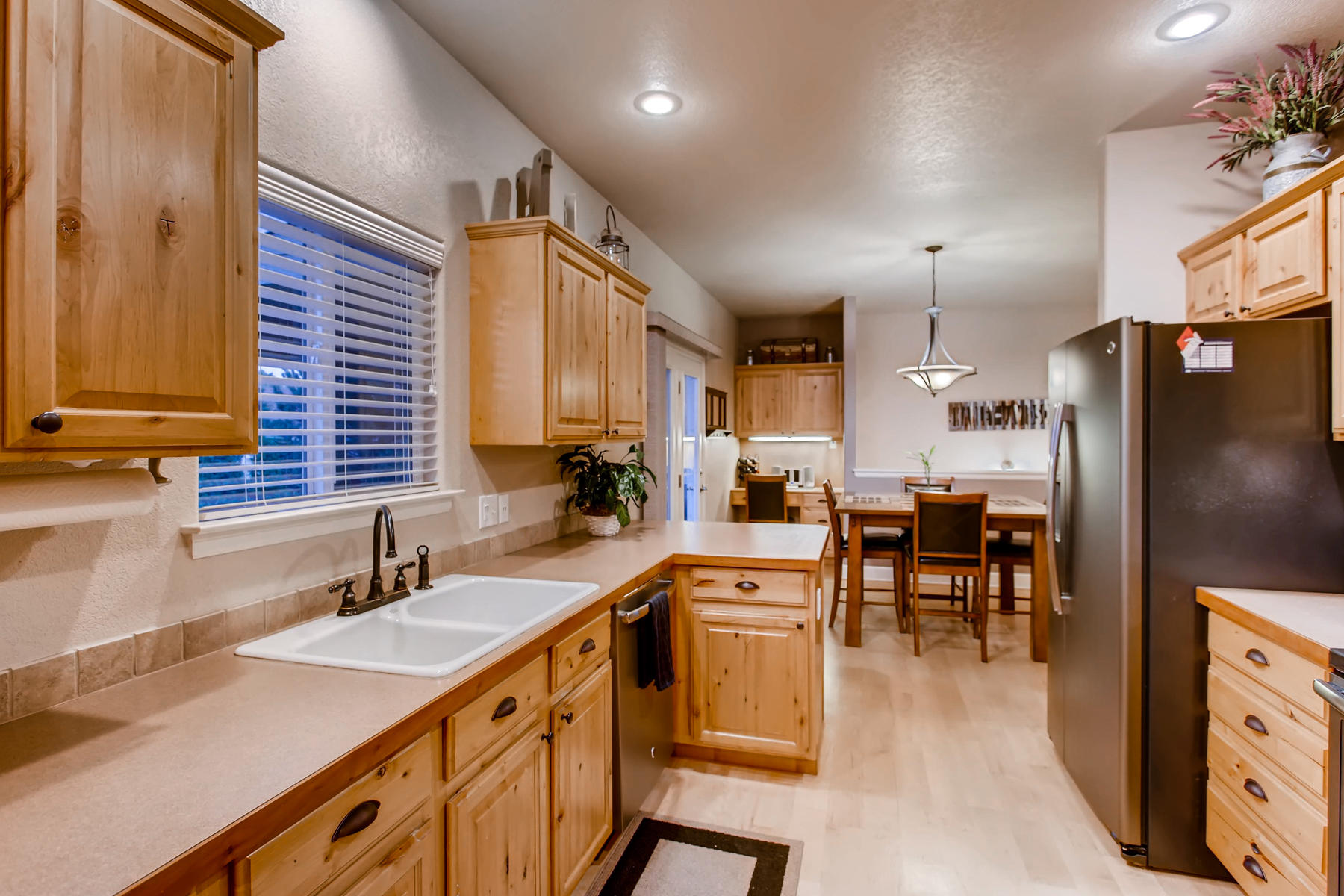 3119 57th Ave Greeley CO 80634-009-14-Kitchen-MLS_Size.jpg
