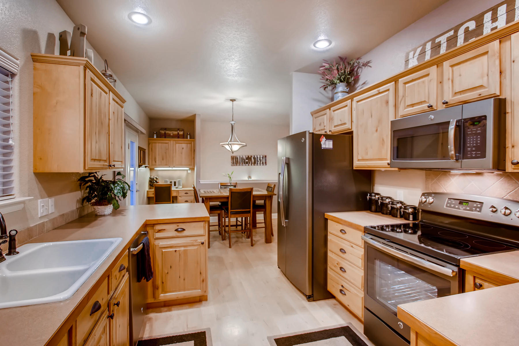 Hickory Cabinets & SS Appliances