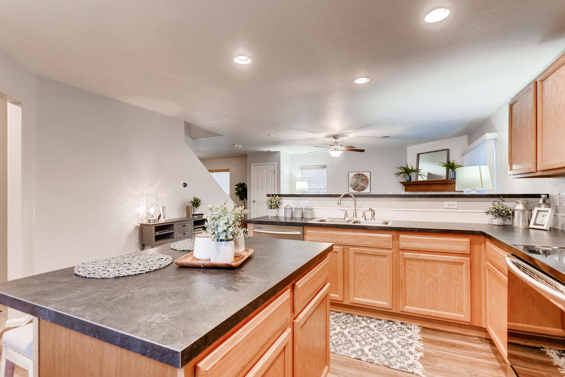 3925 Beechwood Ln Johnstown CO-017-12-Kitchen-MLS_Size.jpg