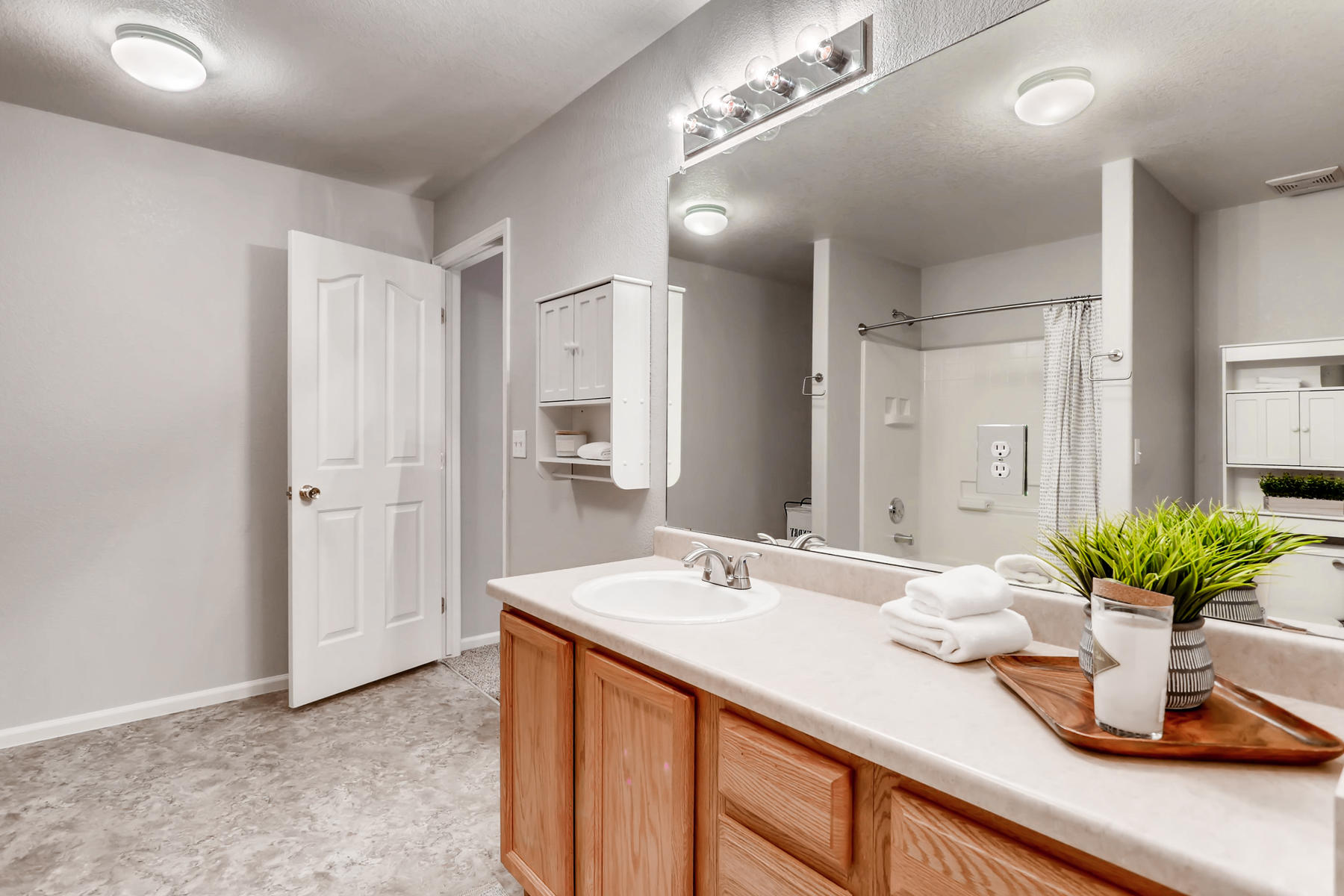 3925 Beechwood Ln Johnstown CO-024-35-2nd Floor Master Bathroom-MLS_Size.jpg