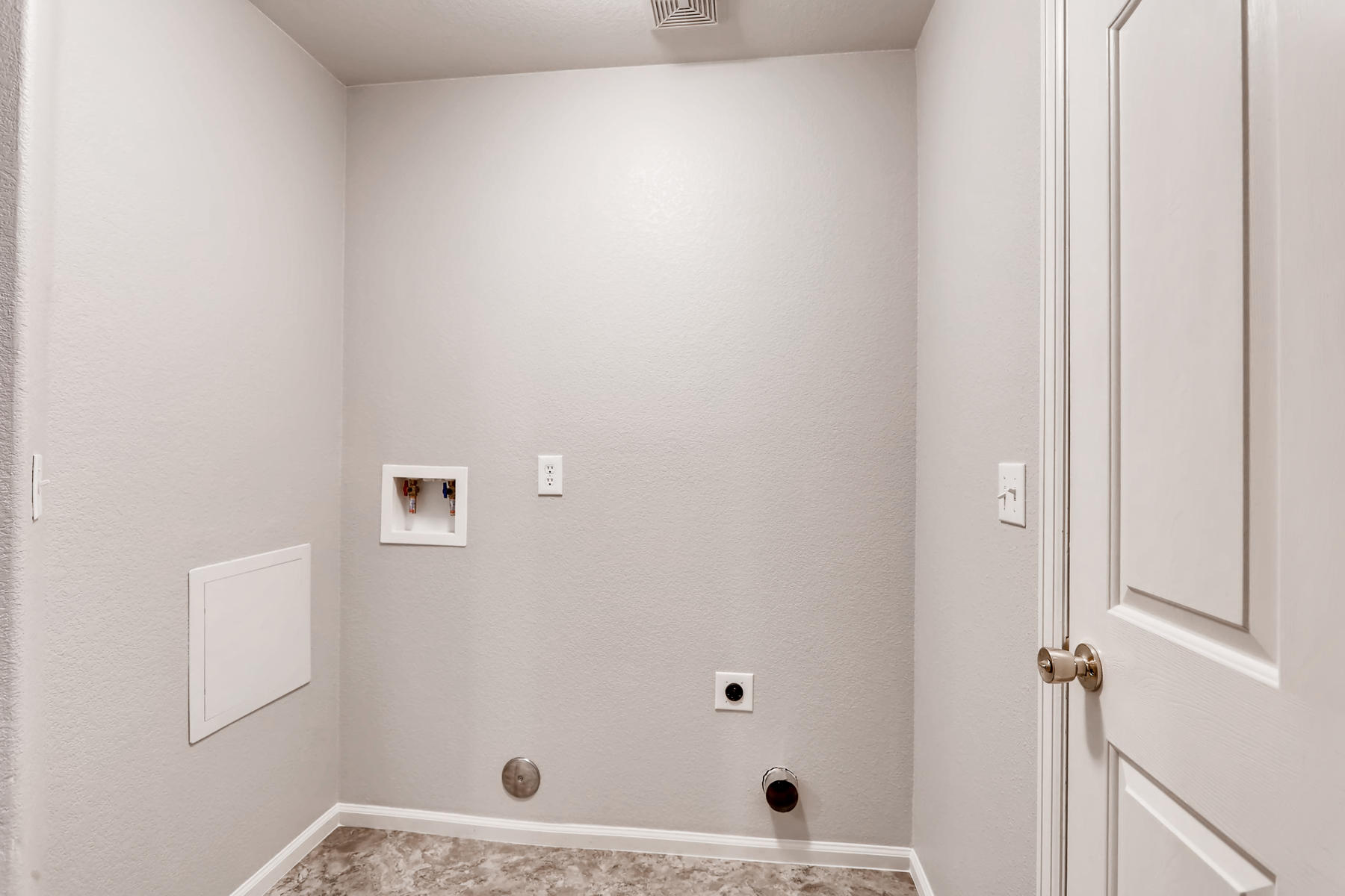 3925 Beechwood Ln Johnstown CO-034-29-Laundry Room-MLS_Size.jpg