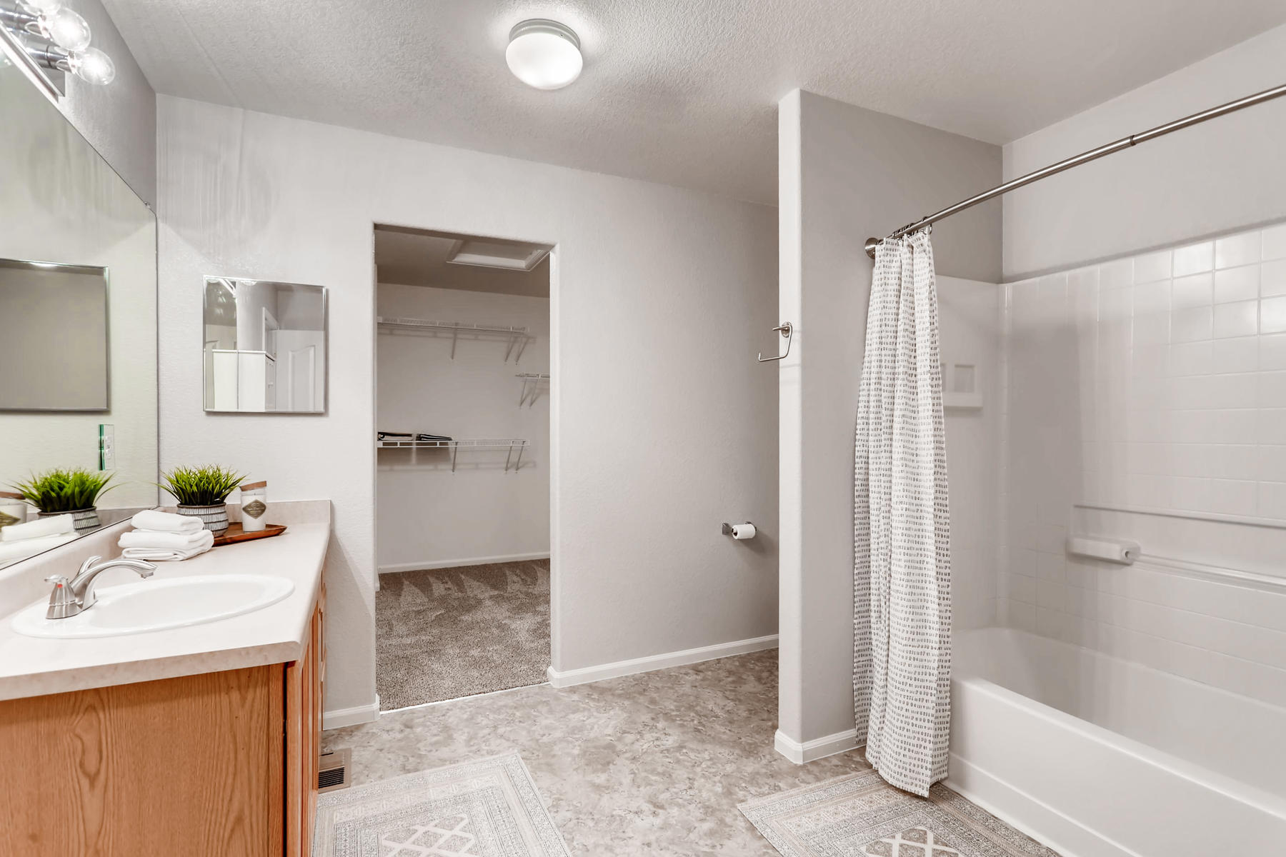 Spacious Bathroom w/ New Flooring
