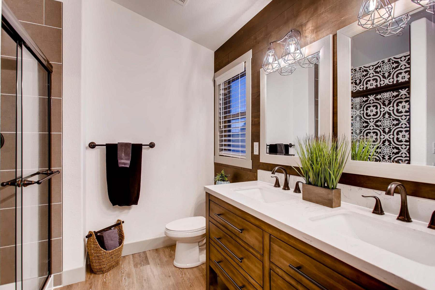 Luxurious Bath + LARGE Walk-In Closet