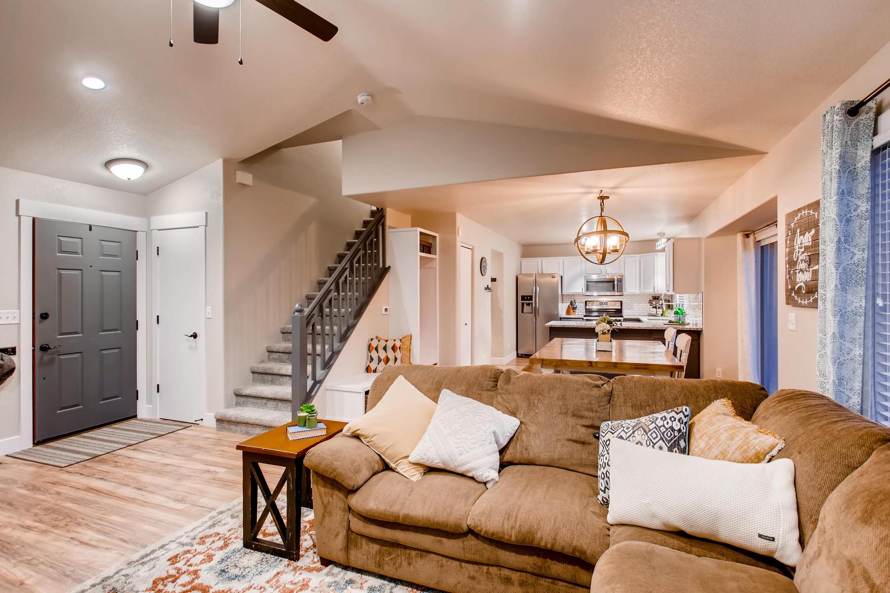 1737 Oxford Dr Loveland CO-005-9-Living Room-MLS_Size.jpg