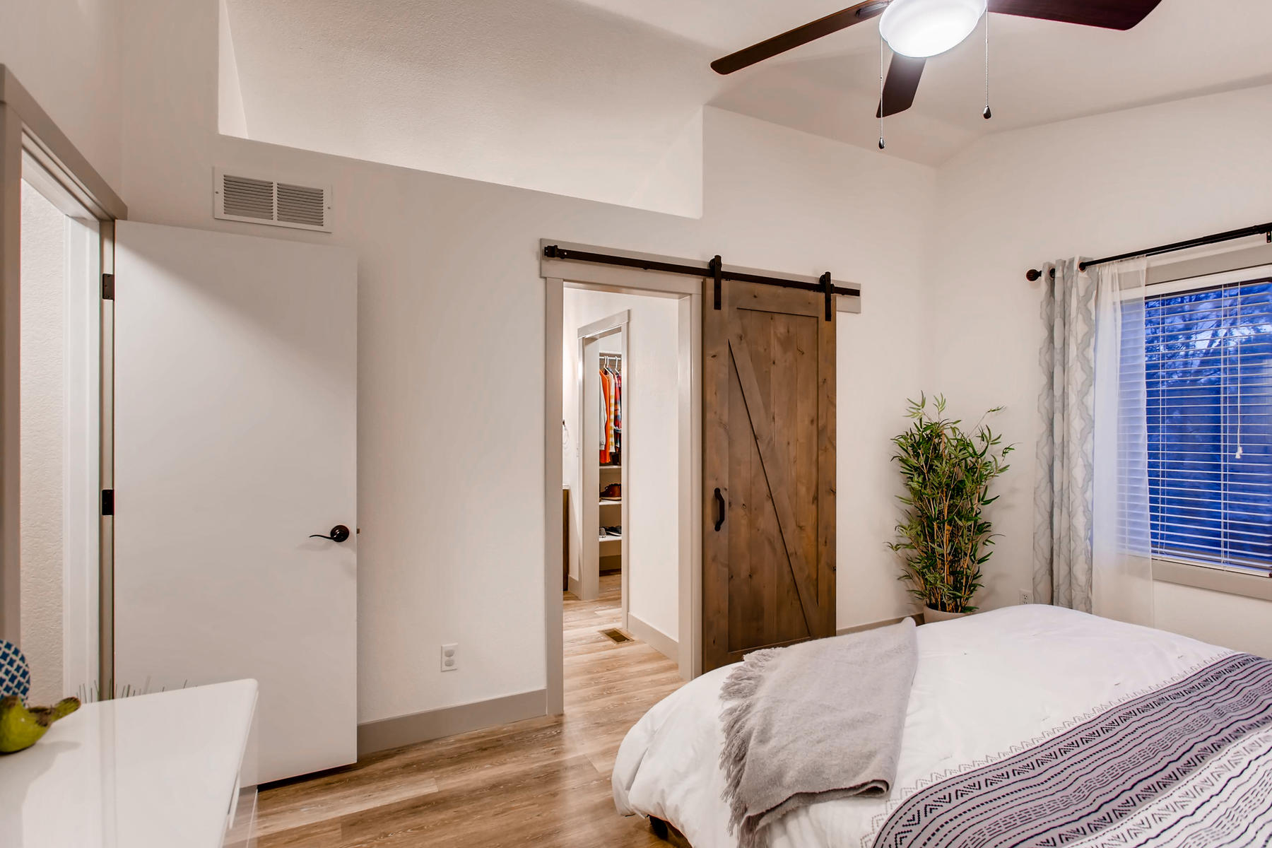 1737 Oxford Dr Loveland CO-019-10-2nd Floor Master Bedroom-MLS_Size.jpg