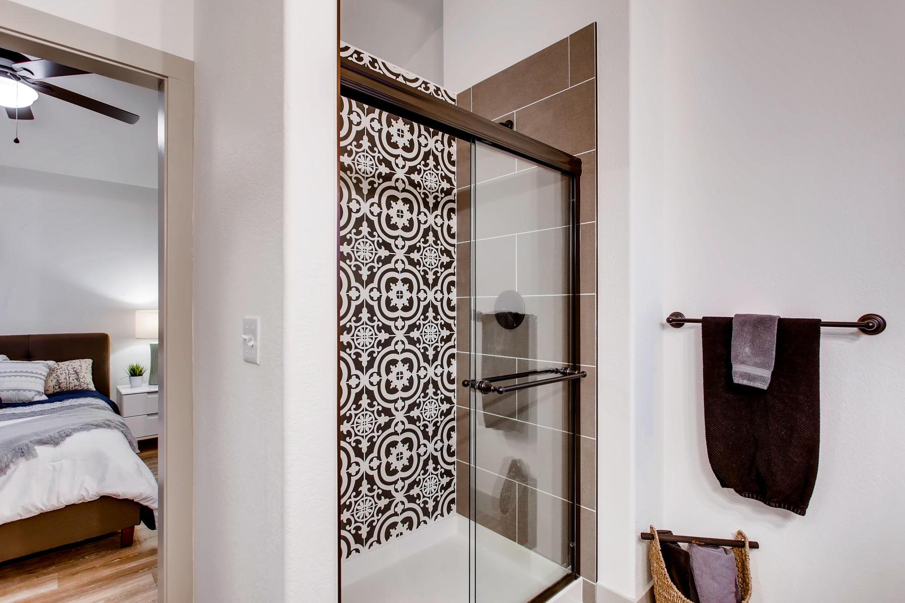 1737 Oxford Dr Loveland CO-021-20-2nd Floor Master Bathroom-MLS_Size.jpg