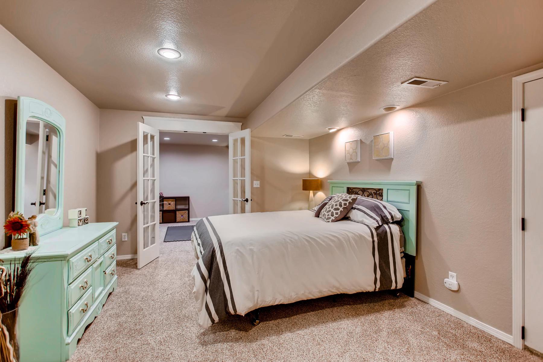 1737 Oxford Dr Loveland CO-036-32-Lower Level Bedroom-MLS_Size.jpg