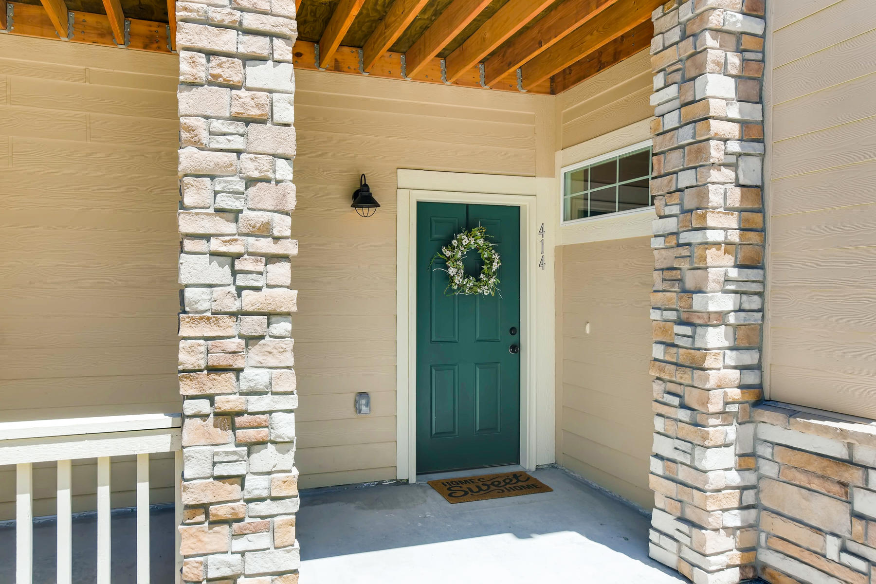 6915 W 3rd St Unit D1414-003-017-Exterior Front Entry-MLS_Size.jpg