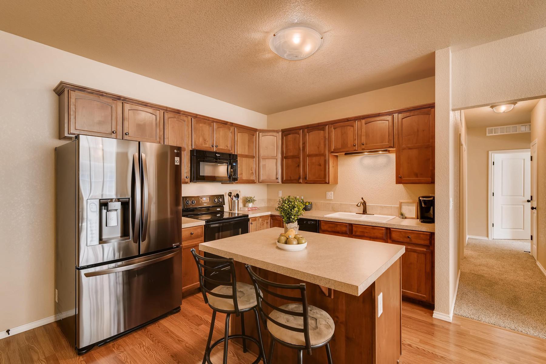 6915 W 3rd St Unit D1414-011-023-Kitchen-MLS_Size.jpg