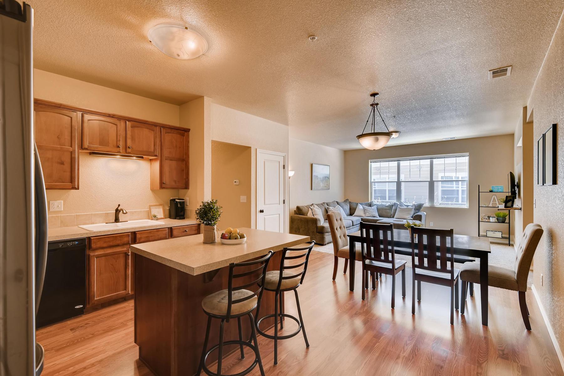 6915 W 3rd St Unit D1414-012-016-Kitchen-MLS_Size.jpg