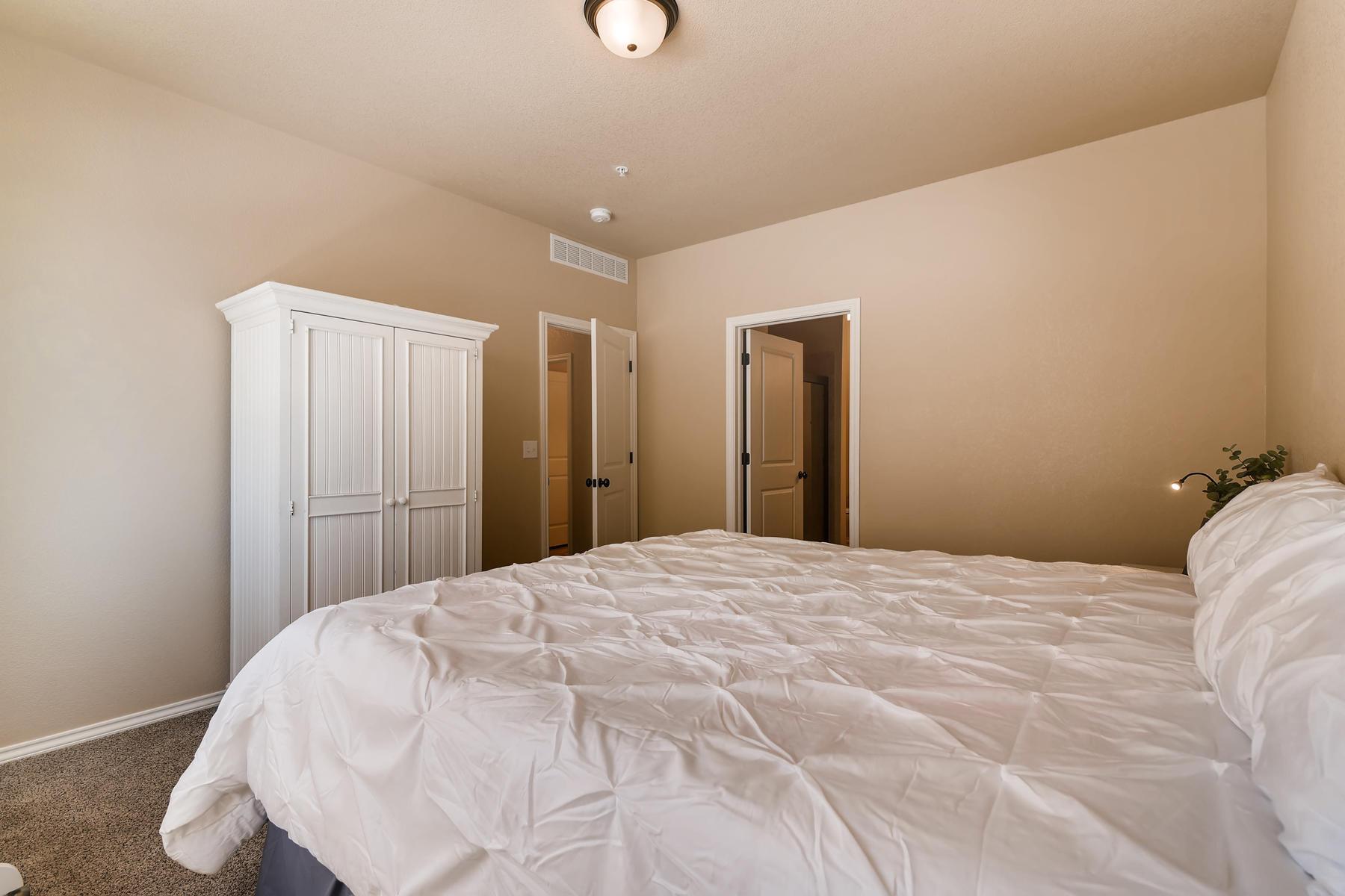 6915 W 3rd St Unit D1414-016-012-Master Bedroom-MLS_Size.jpg