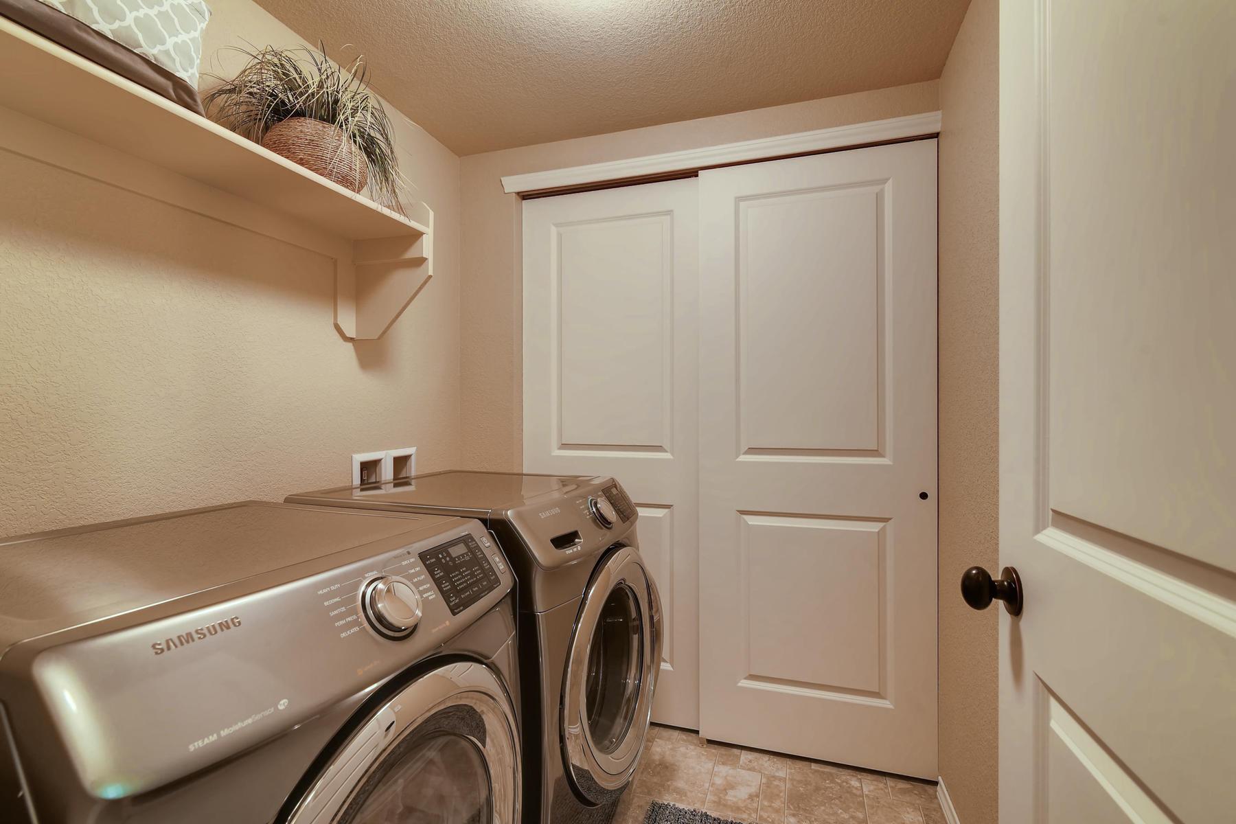 6915 W 3rd St Unit D1414-023-027-Laundry Room-MLS_Size.jpg
