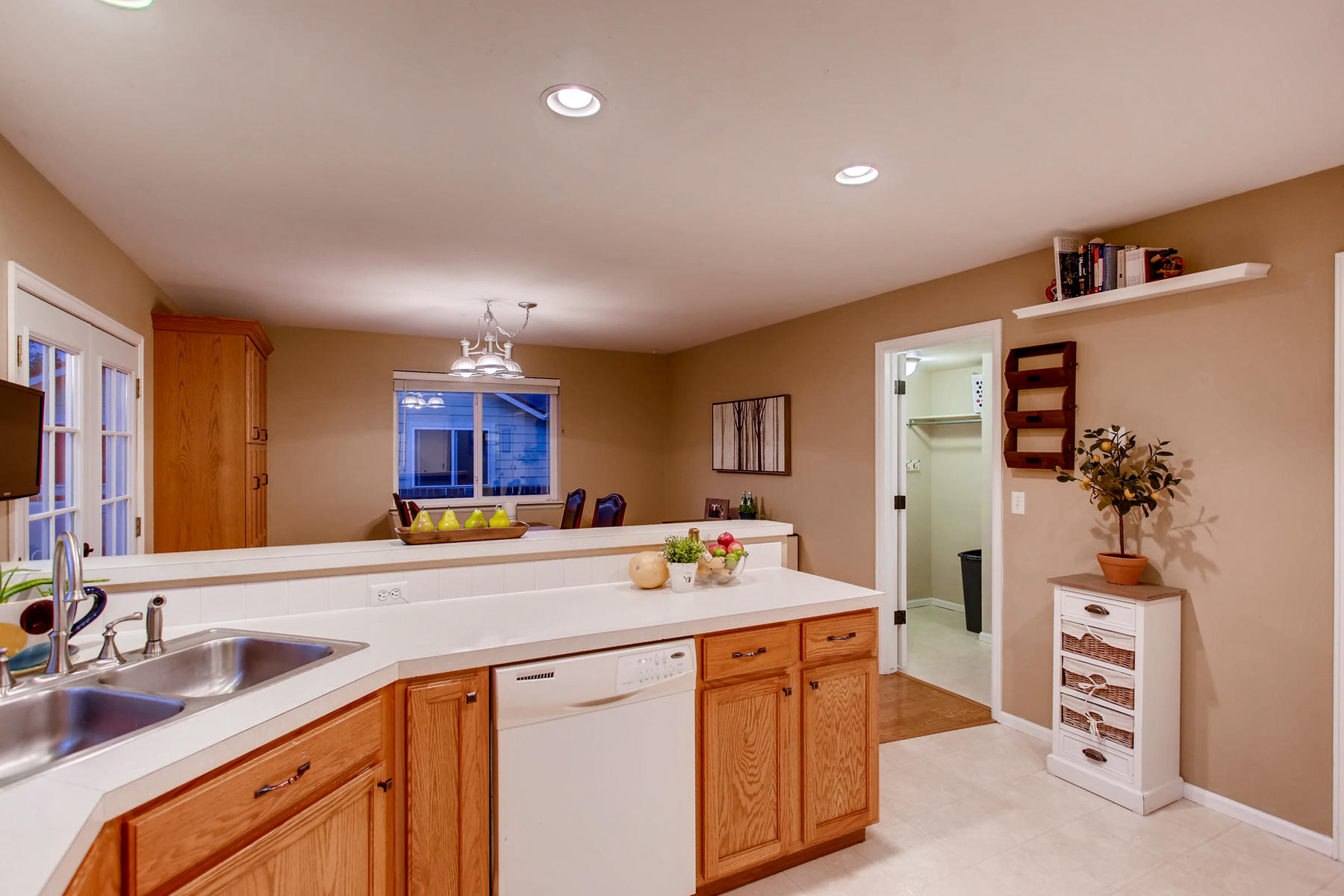 863 Eagle Dr Loveland CO 80537-011-015-Kitchen-MLS_Size.jpg