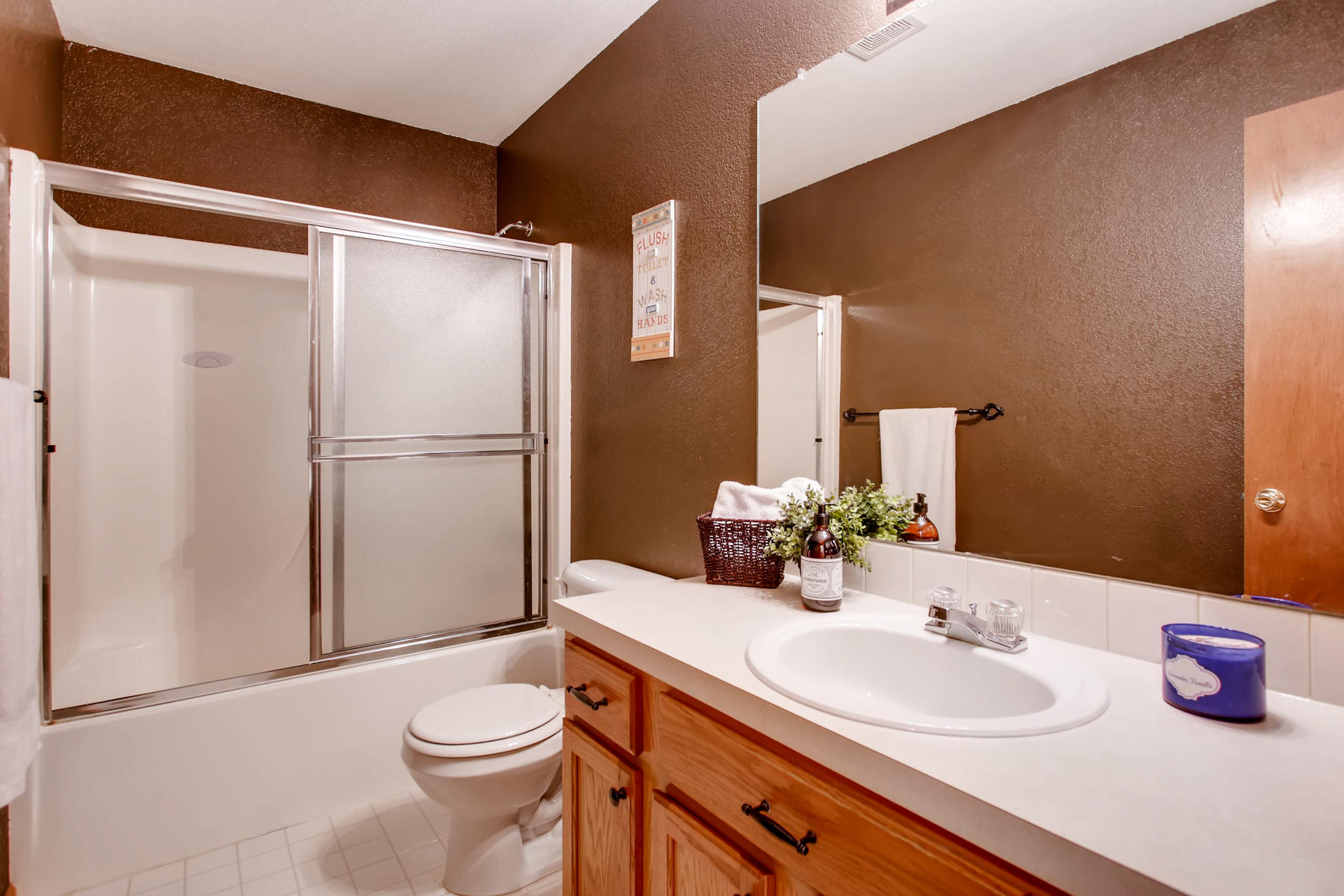 863 Eagle Dr Loveland CO 80537-026-031-2nd Floor Bathroom-MLS_Size.jpg