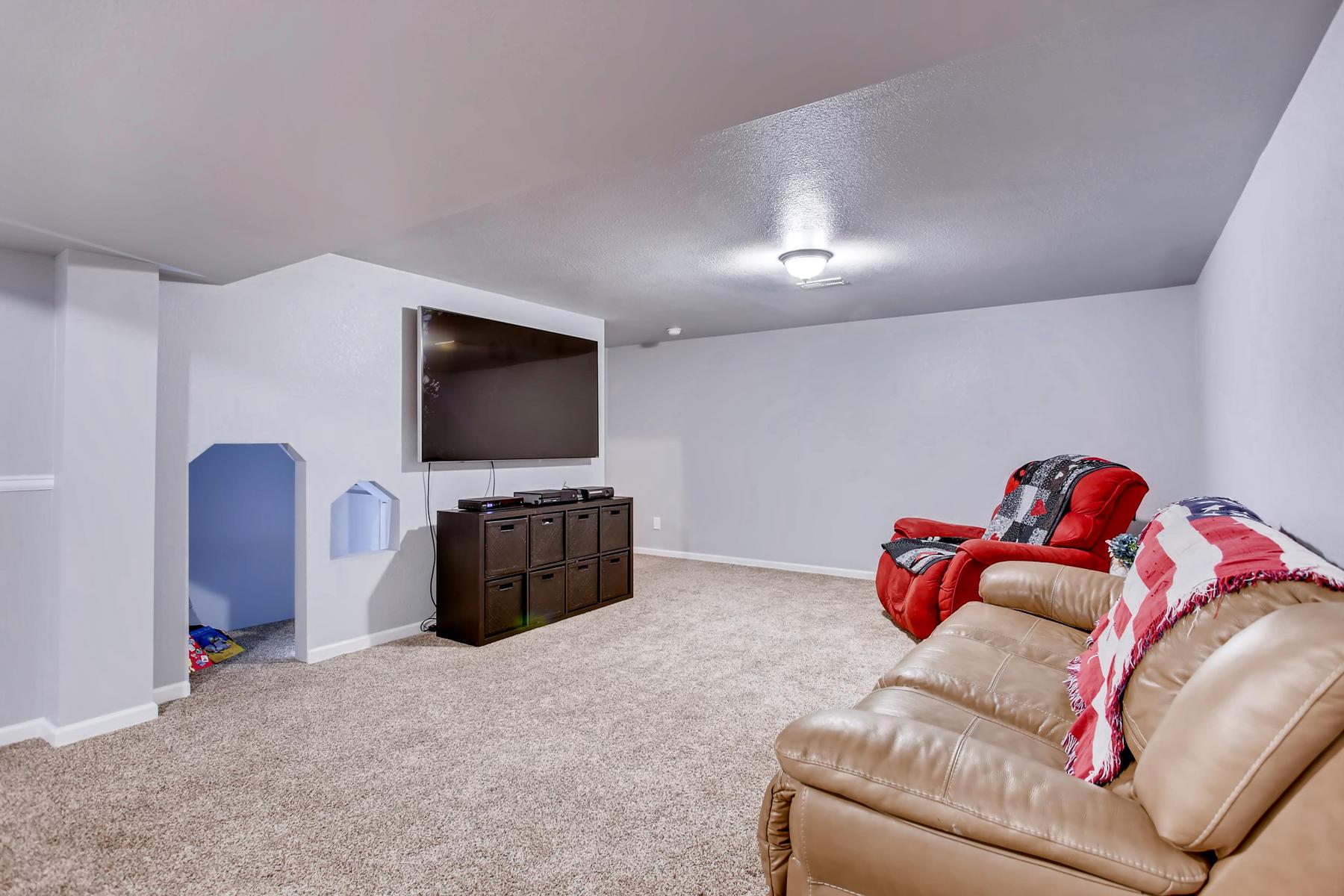 863 Eagle Dr Loveland CO 80537-033-020-Lower Level Family Room-MLS_Size.jpg