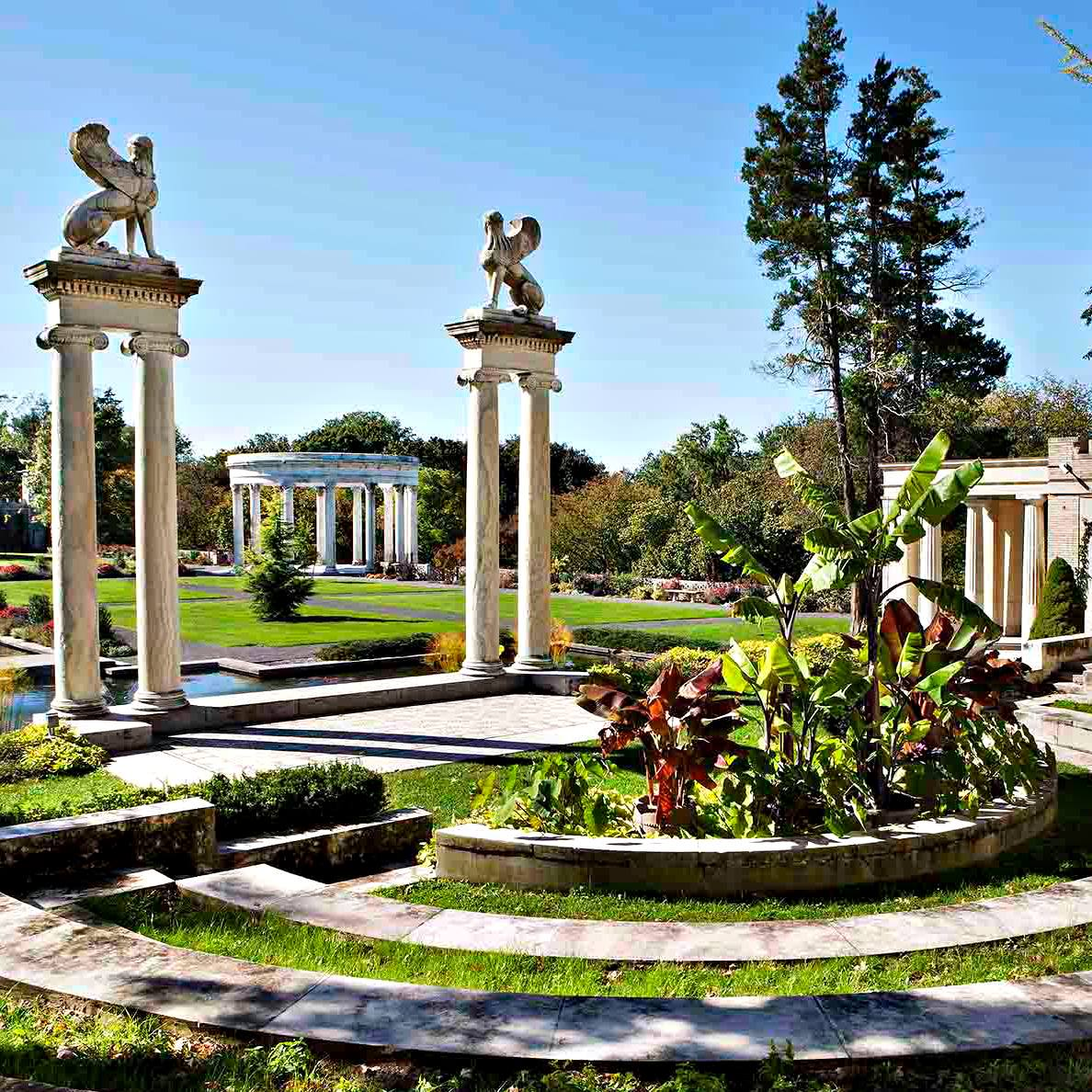Samuel Untermyer Gardens, 945 N Broadway - Untermyer Performing Arts Council celebrates Yonkers Arts Weekend at the garden. Enjoy the sounds of music while strolling through our incredible Untermyer Park!May 18th1:30-3:00 pm: Jazz in the Park with The Lee Marvin Trio1:30-2:30 pm: Art in the ParkMay 19th1:30-3:00 pm: Jazz in the Park with The Eric Lesser Blues Band