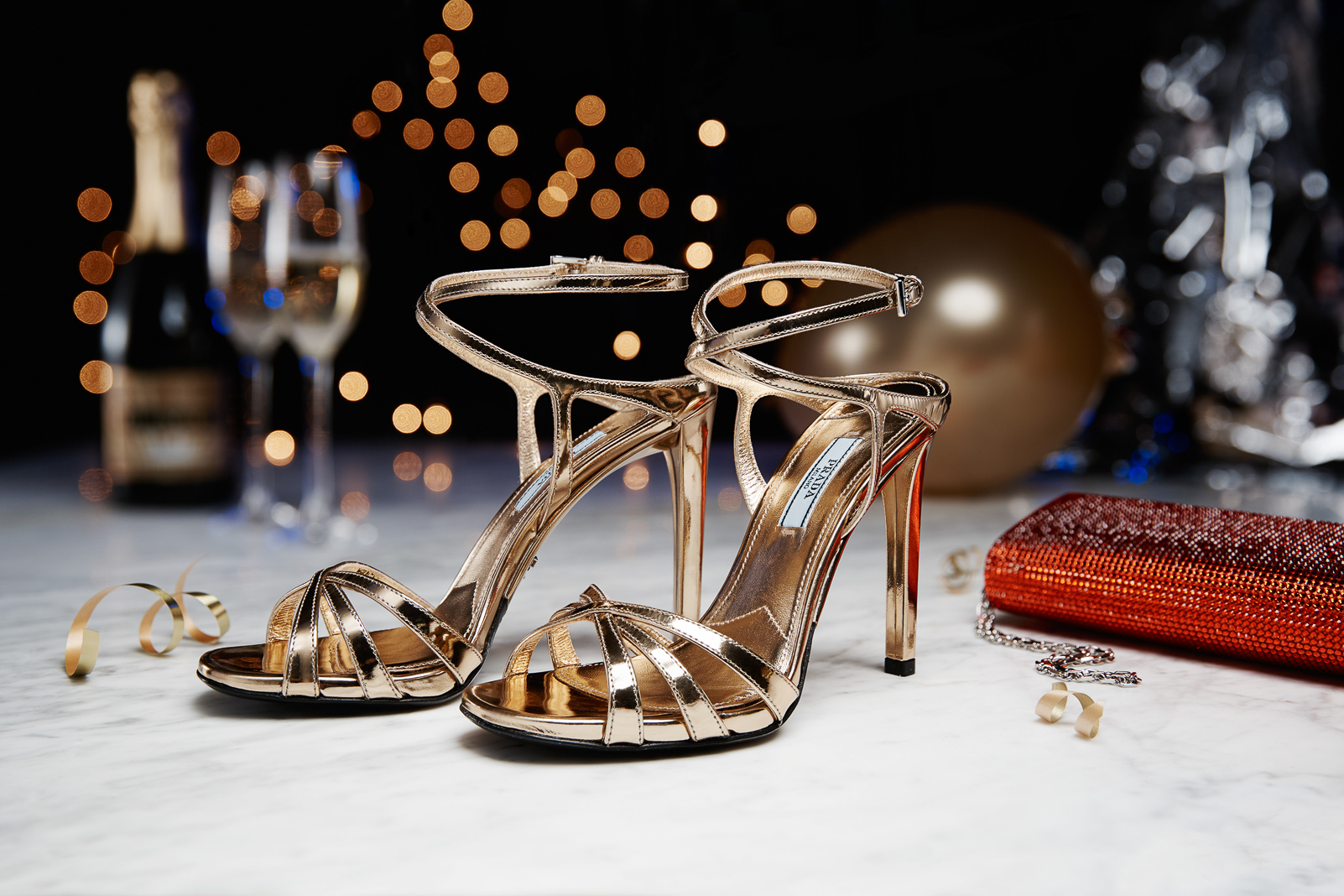 NYE_DRESSING_Statement_Shoes_WACC_1131680824_EDITORIAL_073-083_HELICON.jpg