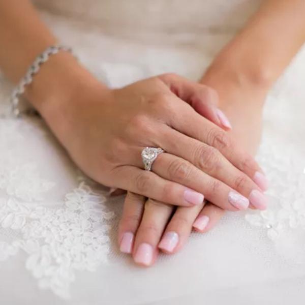 Wedding nails.png
