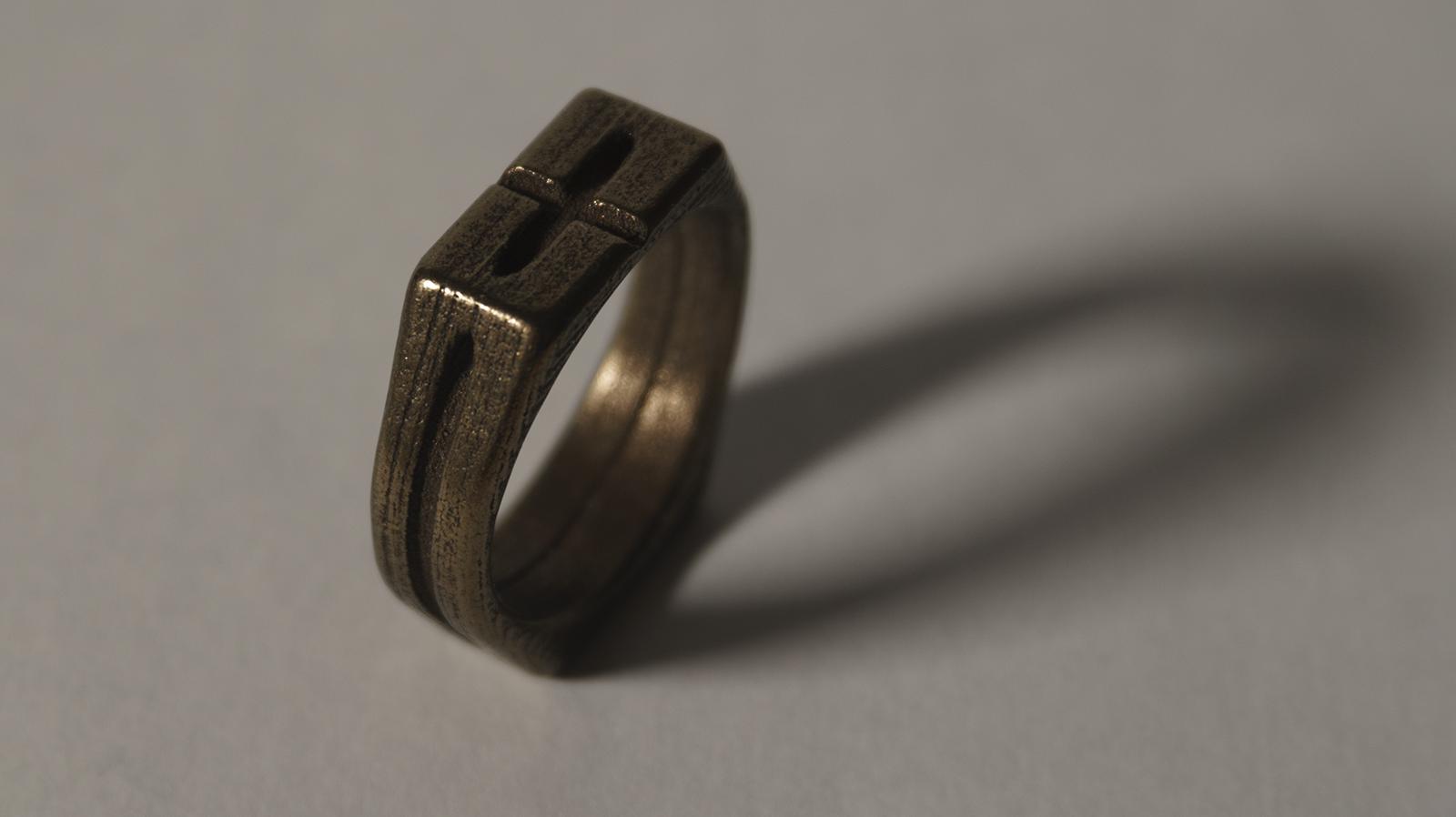 bronze-steel ring