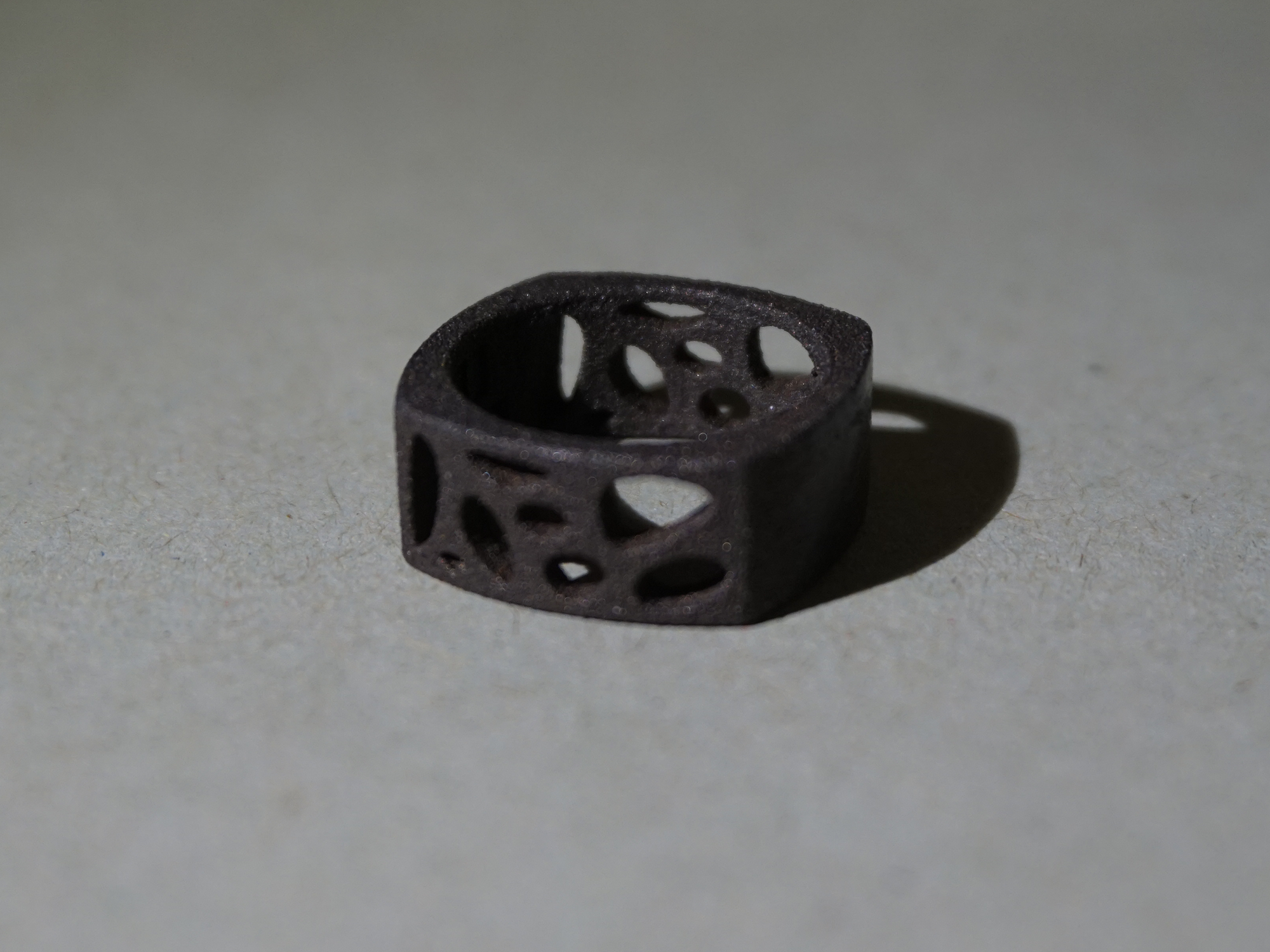 voronoi-ring-steel.png