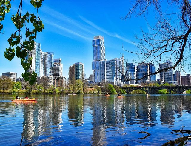 Beautiful downtown Austin by Lady Bird Lake. 😎 My talented and amazing friend @todd.sellars 📷 captured this beautiful shot last week.  Austin, Texas we 💗💗💗 you! . . . #austintexas #downtownaustin #ladybirdlake #myhome #texasgirl #texas #austinphotographer #atx #atxlove #austinrealestate #beautiful #austinluxury #landscapephotography #austinprivatejeweler #shinebright 🌟🌟🌟