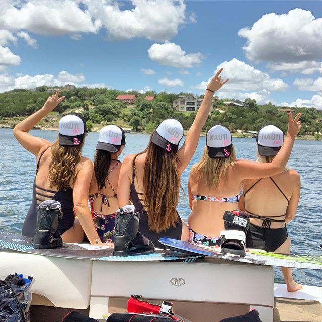 Lake days with these fierce ladies! 💗💗 Sun ☀️ water 🌊 drinks 🍹 and good times 🌈 . . . #girlsweekend #laketravis #nautigirls #girltribe #liquidforce #girlswhoshred 🏄🏻♀️ #girlsrule #lakelife #livin #myhappyplace #somuchlove #shinebright 🌟😘🌟😘