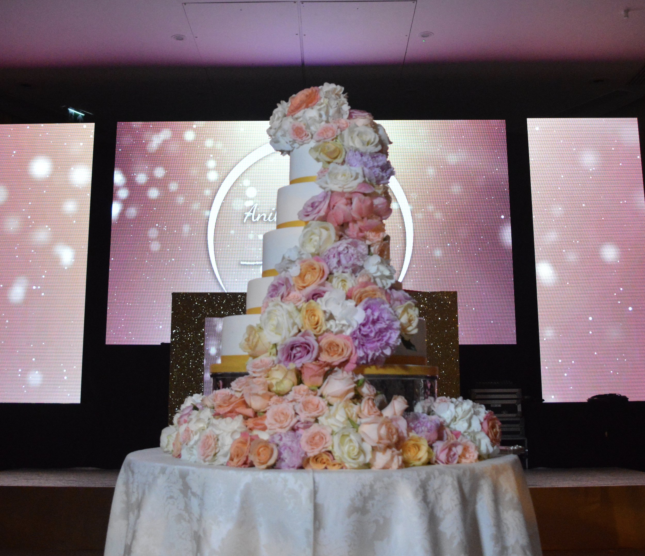Sugar Flowers wedding Cake, wedding cake, custom wedding cake, custom wedding cake london, bespoke cake