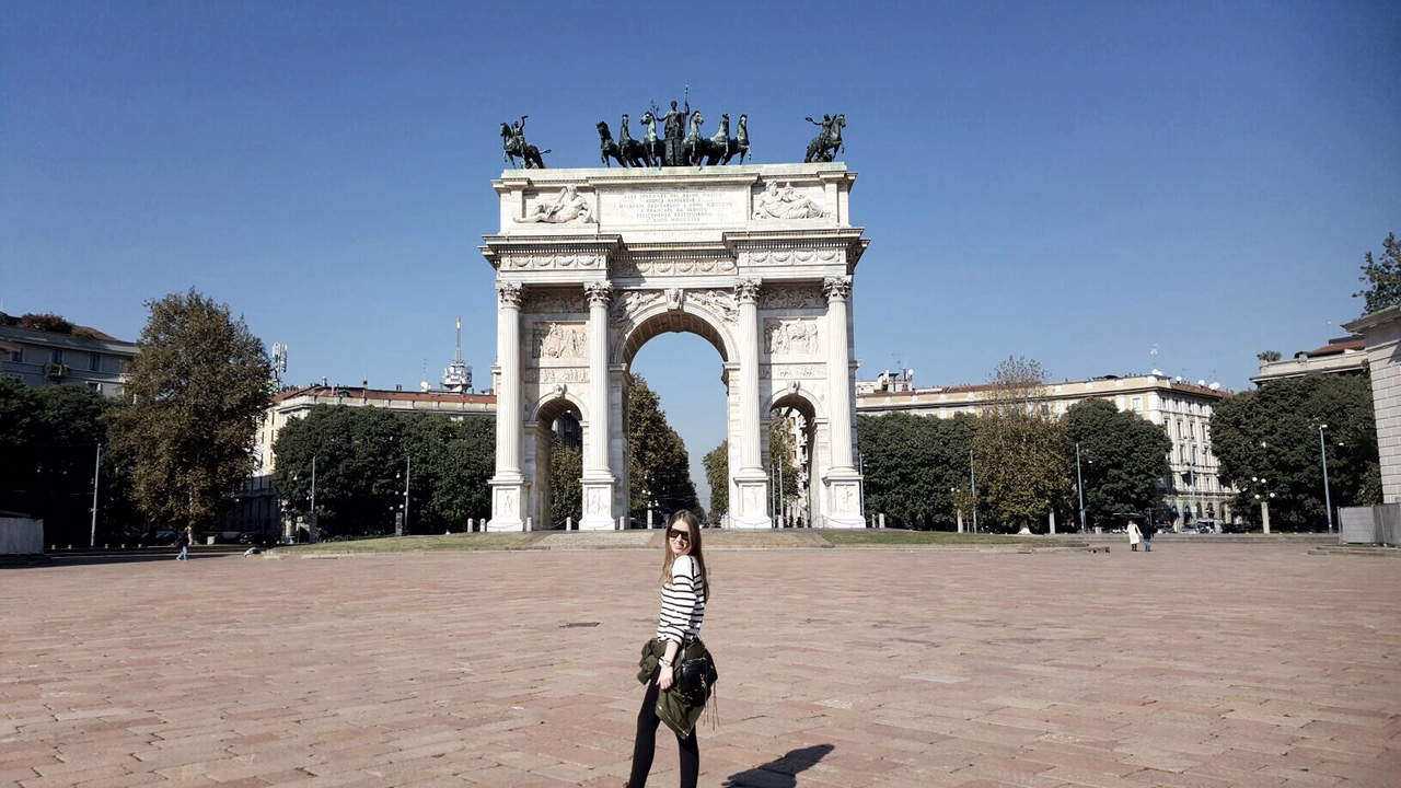 Sapphire & Elm Travel co-owner, Carly in Parco Sempione, Milan, Italy