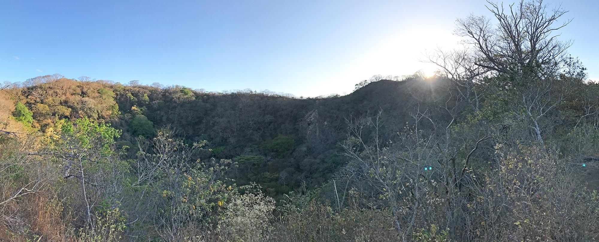 hiking El Hoyo volcano in Nicargua