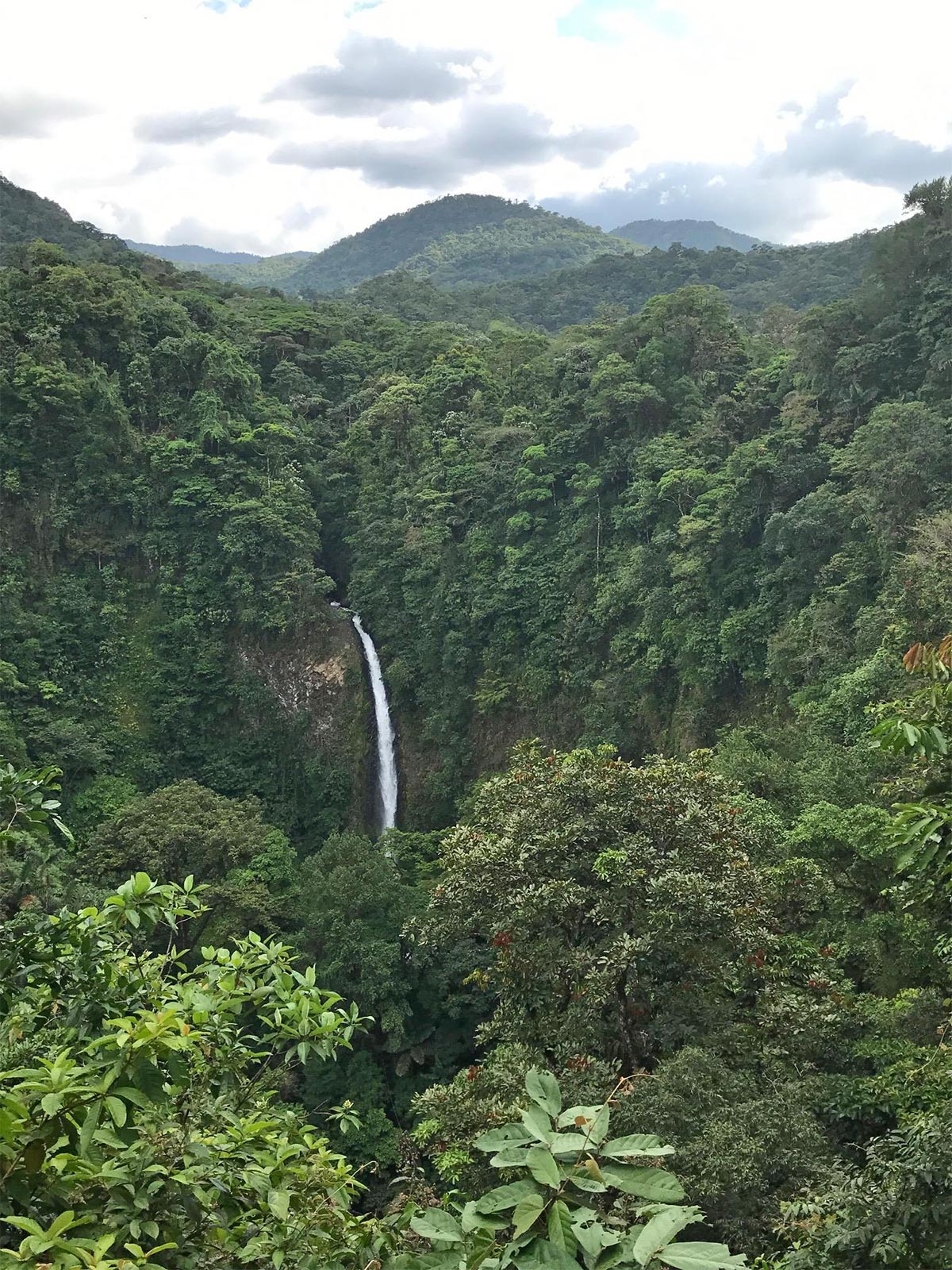 La Fortuna waterfall from the start of the hike down