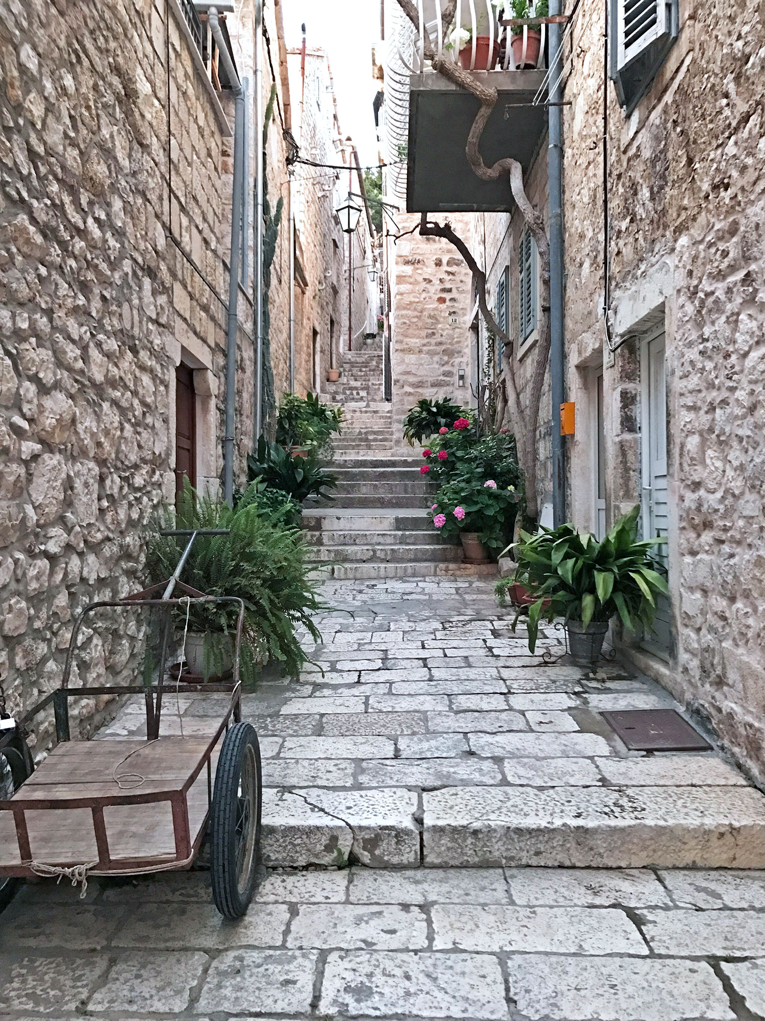 Hvar-Croatia-alley2.jpg
